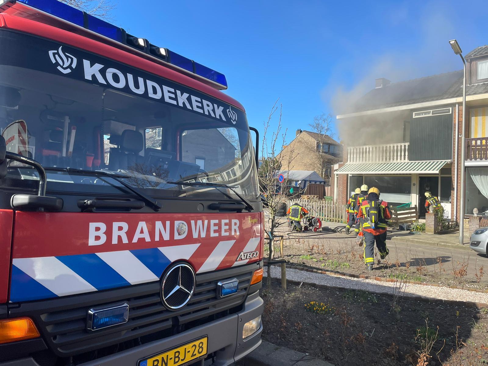 Drie woningen ontruimd door brand in Hazerswoude- Rijndijk
