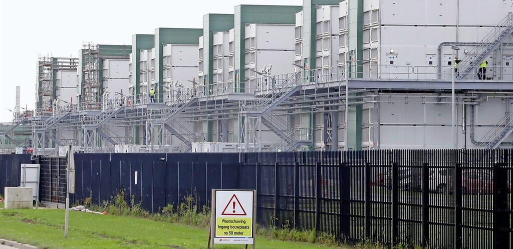 Weerzin West-Friese buurgemeenten tegen datacenters in Wieringermeer groeit. Vooral wethouder Meskers ligt onder vuur. Voor hem resteert een enkele reis huiswaarts | Commentaar