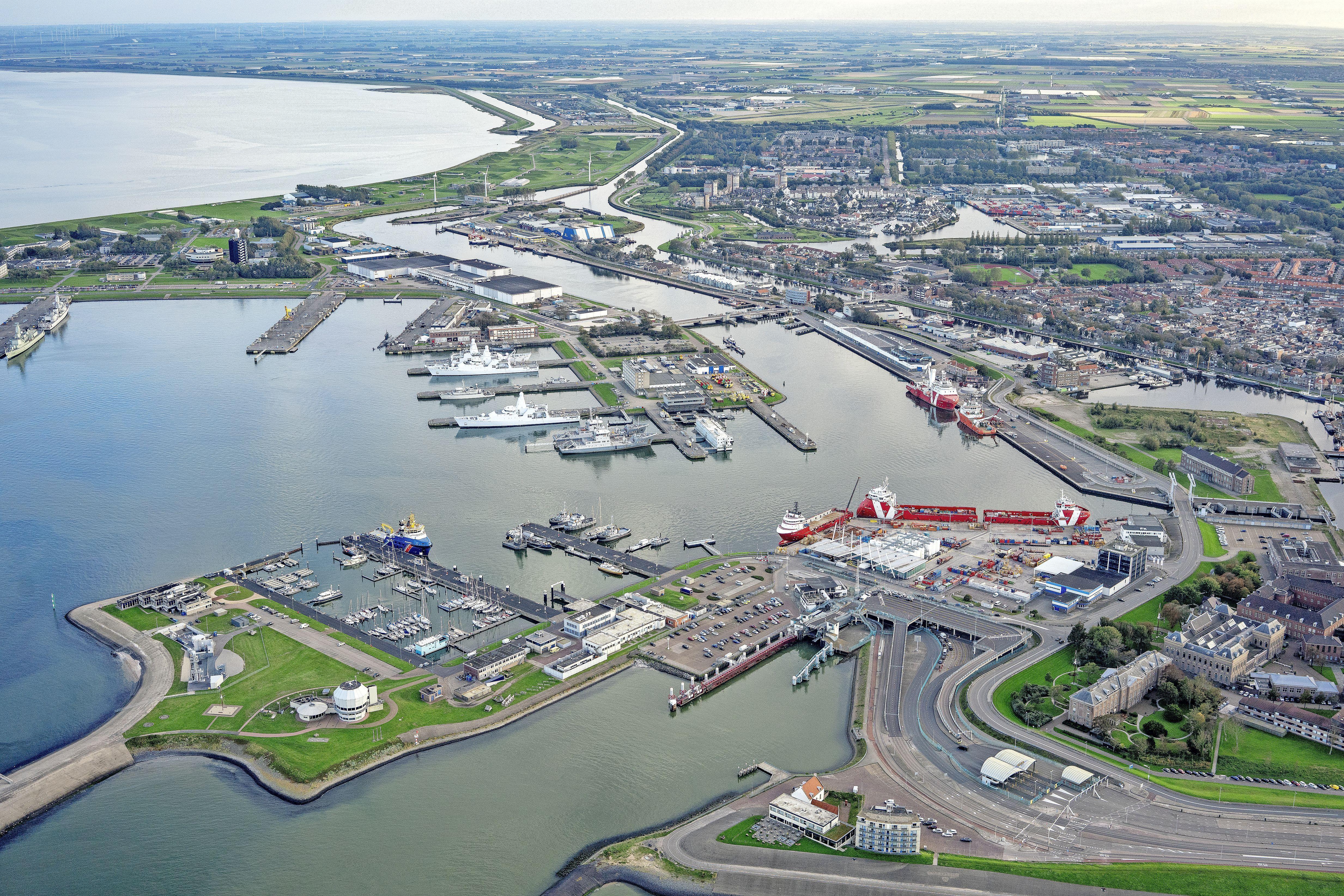 Sinds kort krijgen ook lege, Britse viskotters geen toegang meer tot de havens van Den Oever, Den Helder en Oudeschild. Maritieme industrie in Noordkop vreest fikse economische schade