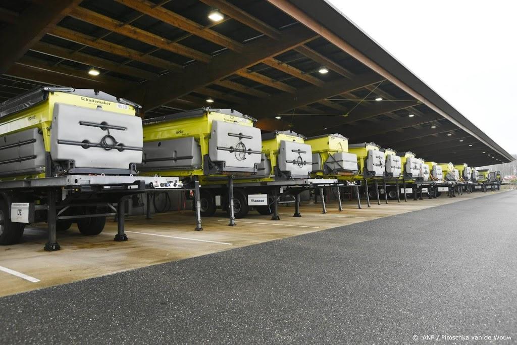 Rijkswaterstaat zet 546 strooiwagens en 350 sneeuwschuivers in
