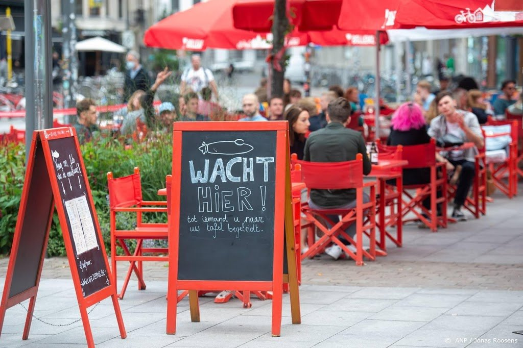 België heft reisverbod op, terras open en avondklok weg begin mei