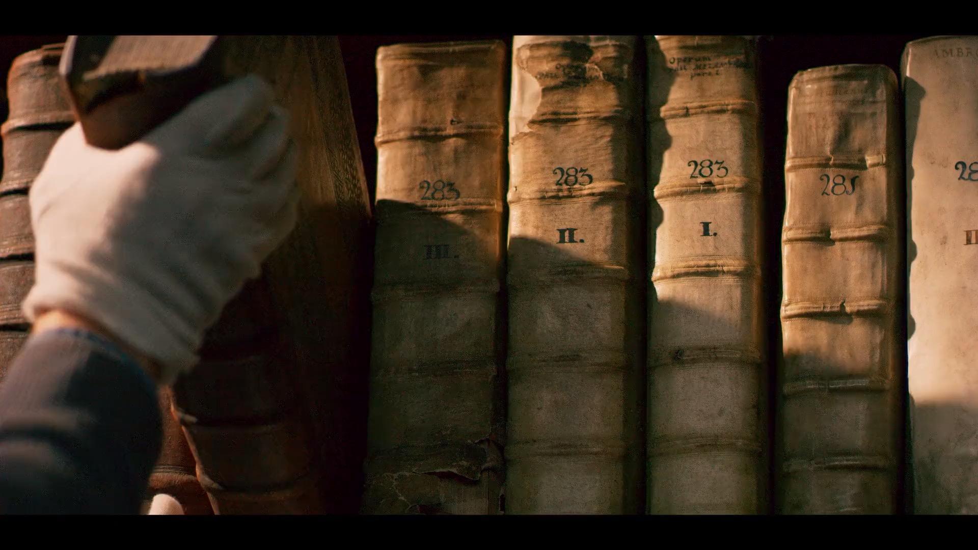 Librije van Enkhuizen al ruim een jaar gesloten door corona, maar voor minidocumentaire gaat deur van eeuwenoude stadsbibliotheek op een kier: 'Net alsof je in een tijdmachine stapt' [video]