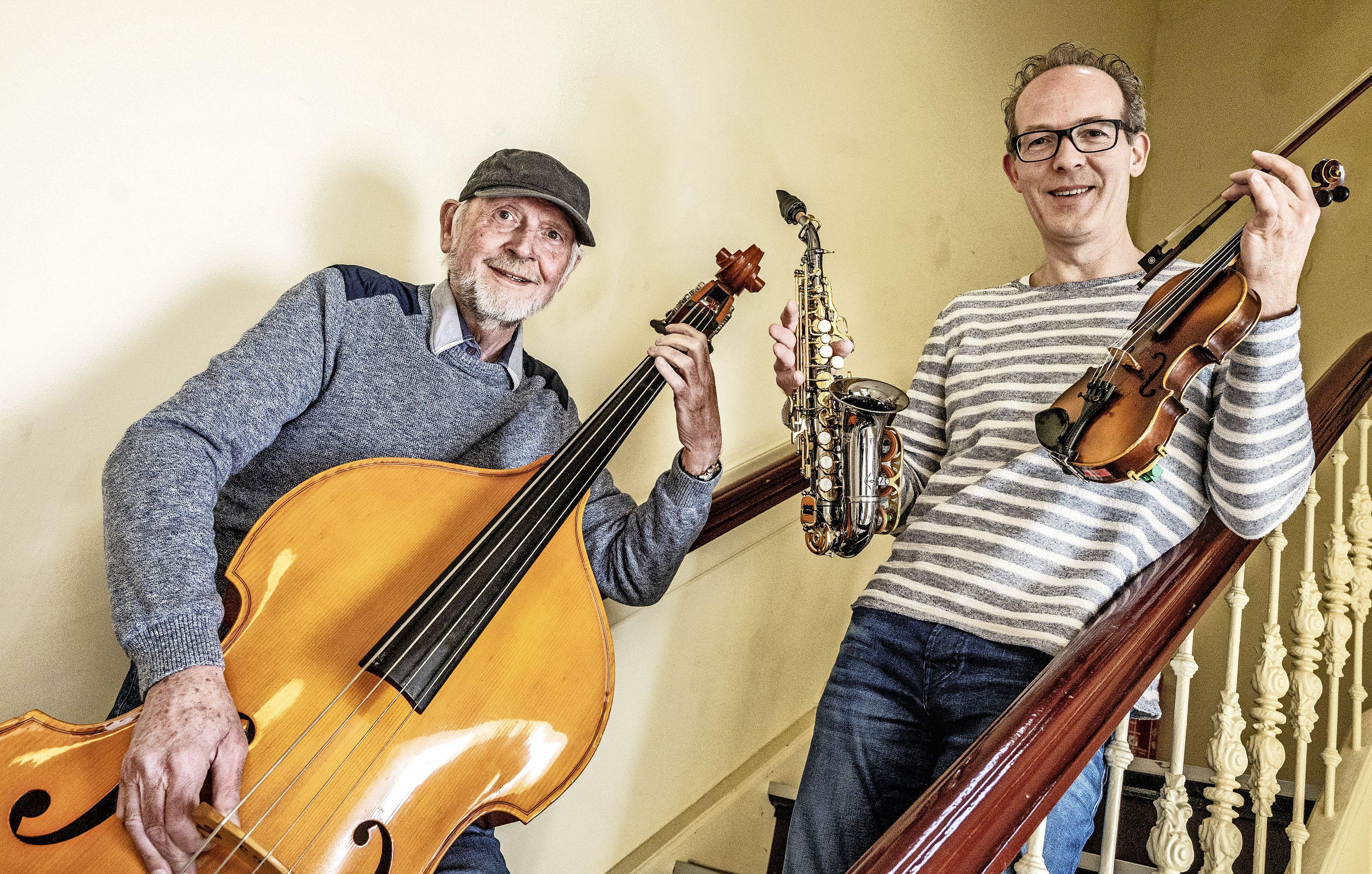 Een contrabas, harp of sopraansax kopen? Huren via het Algemeen Muziekfonds is veel gunstiger