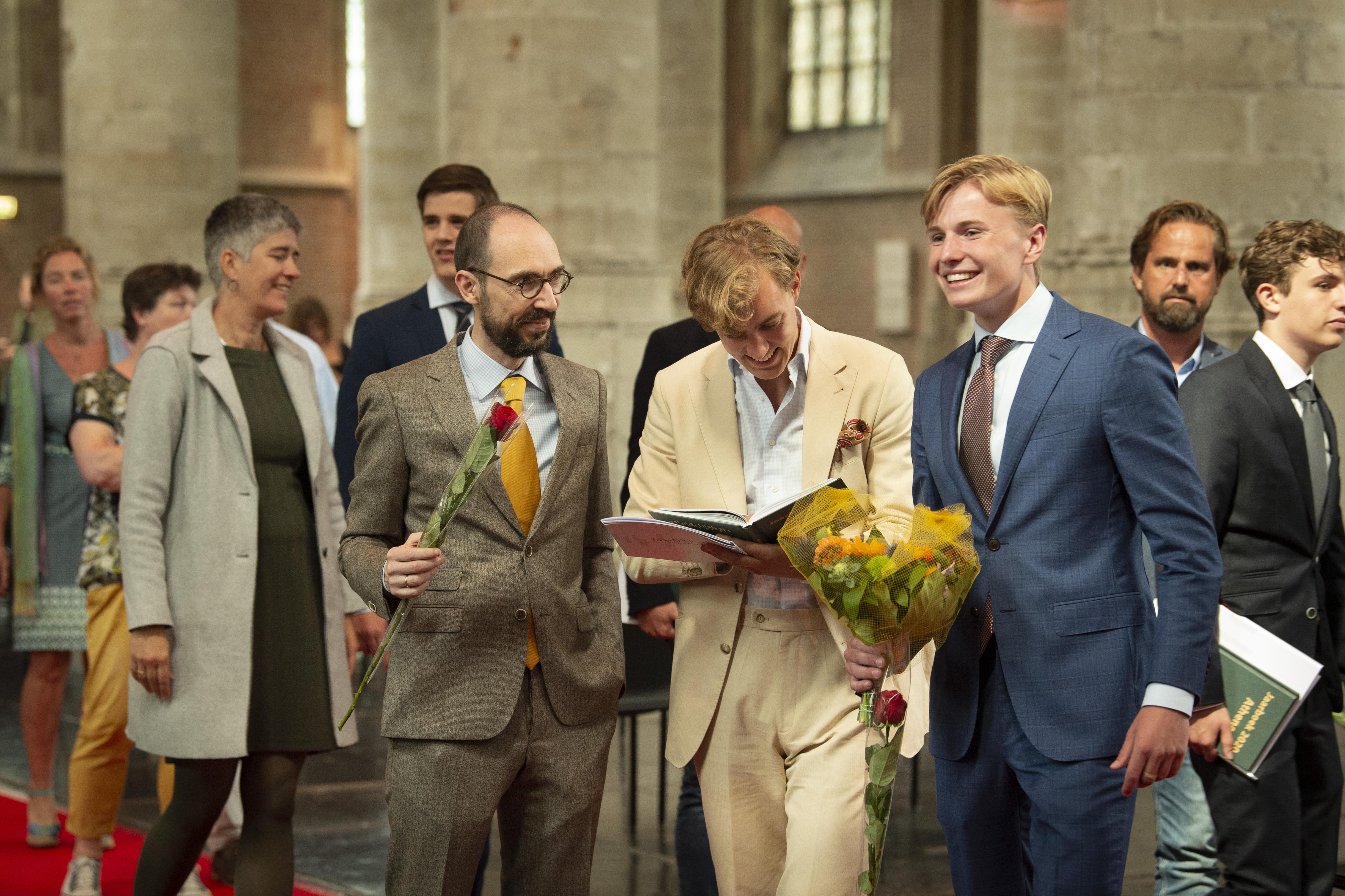Twee dagen vol feestelijkheden in de Pieterskerk: eindexamenleerlingen Stedelijk Gymnasium Leiden ontvangen hun diploma's