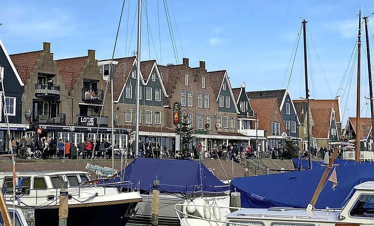 Mooiweerdrukte: boa's delen 25 boetes uit in Zaanstreek-Waterland. Marken en Landsmeer op zondag behoorlijk vol
