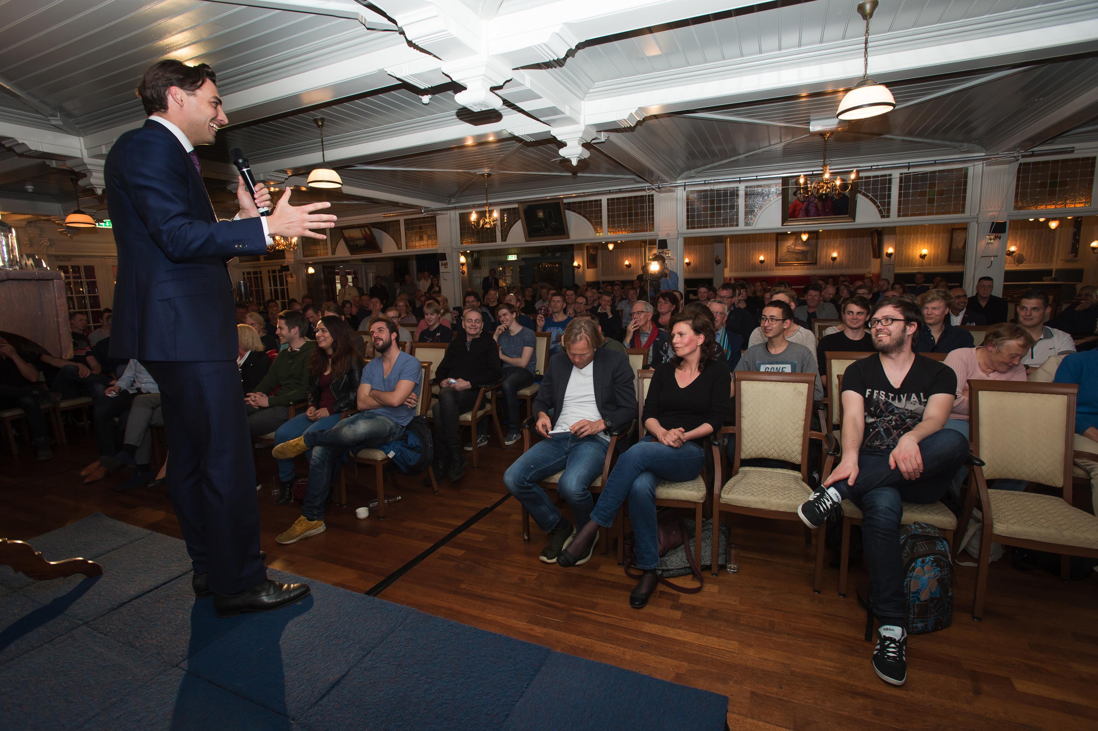 Manifestatie van Forum voor Democratie in Volendam gaat zondag niet door: partij en gemeente komen samen met een verklaring