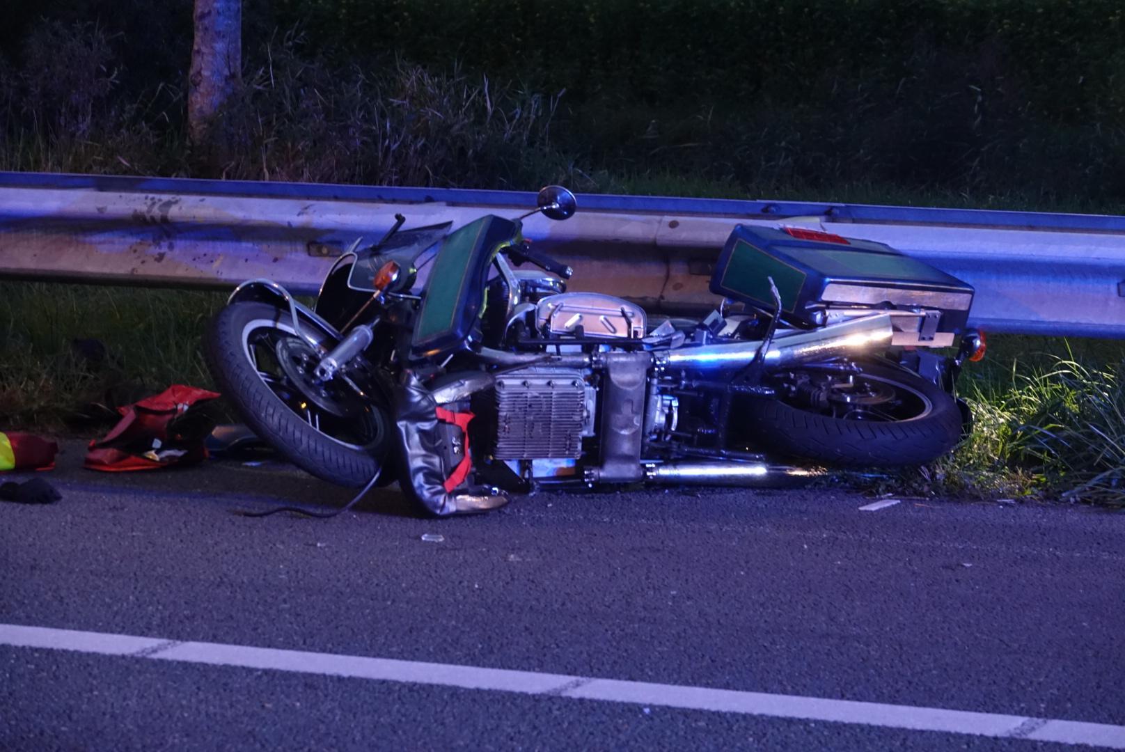 Motorrijder zwaargewond bij ongeluk op A7 bij Zuidoostbeemster; snelweg afgesloten
