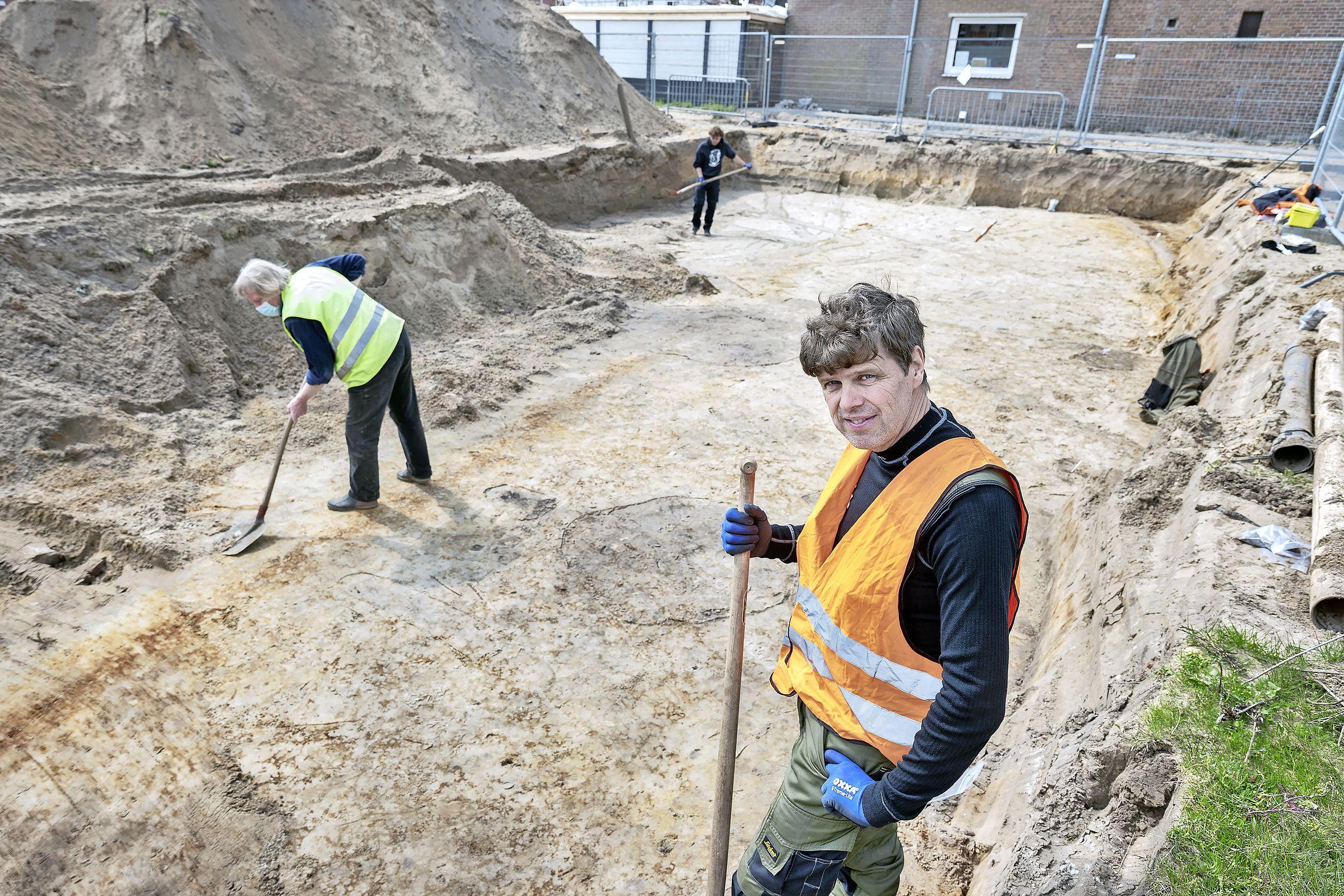 Archeologen leggen Friese boerderij uit de Romeinse tijd bloot: 'Ze woonden in de duinen hoog en droog'