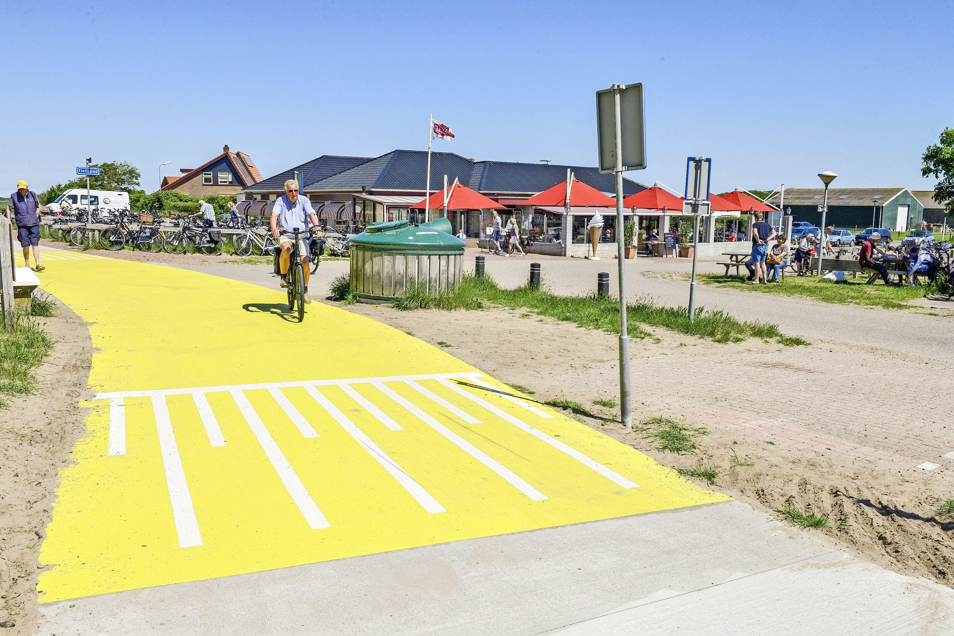 De eerste mijlpaal van het mega-fietspadenproject door de Texelse duinen is een feit. Nu nog een ontwerp voor het verkeersknooppunt bij De Slufter