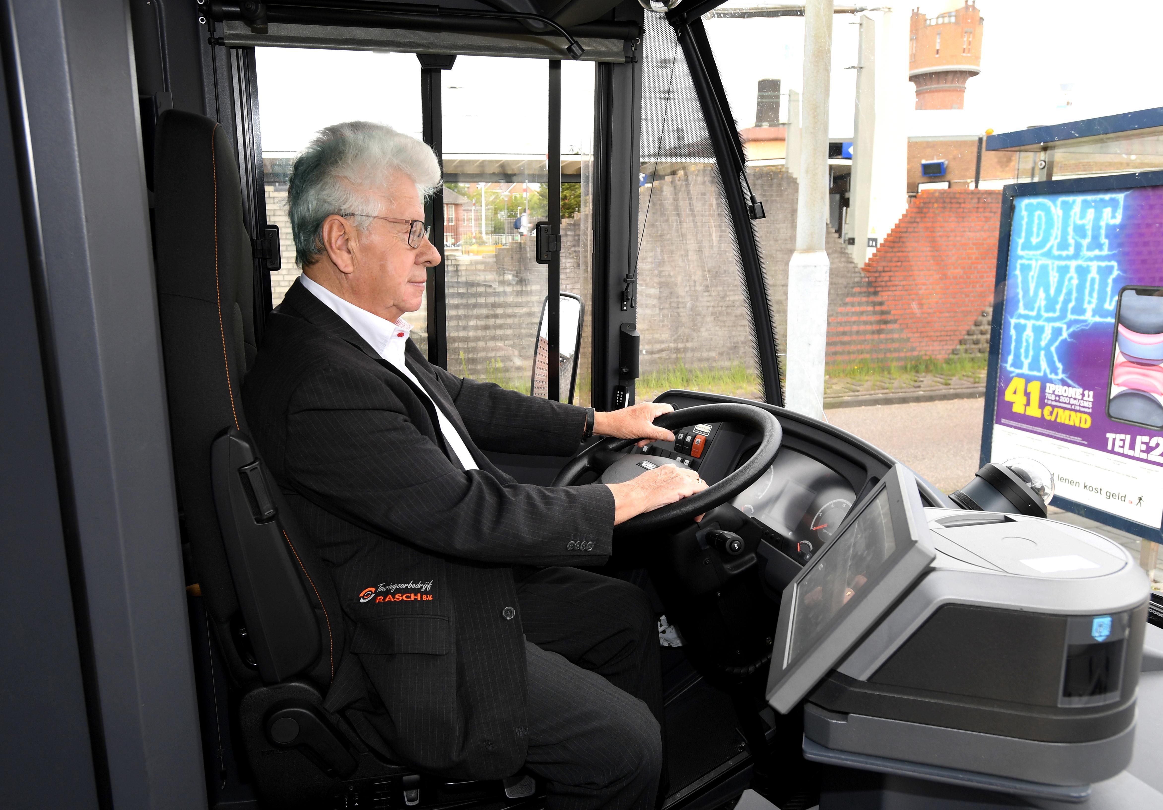 De kustbus Petten-Den Helder blijft leeg. Chauffeur Piet: 'Ik rijd tachtig kilometer zonder passagier'