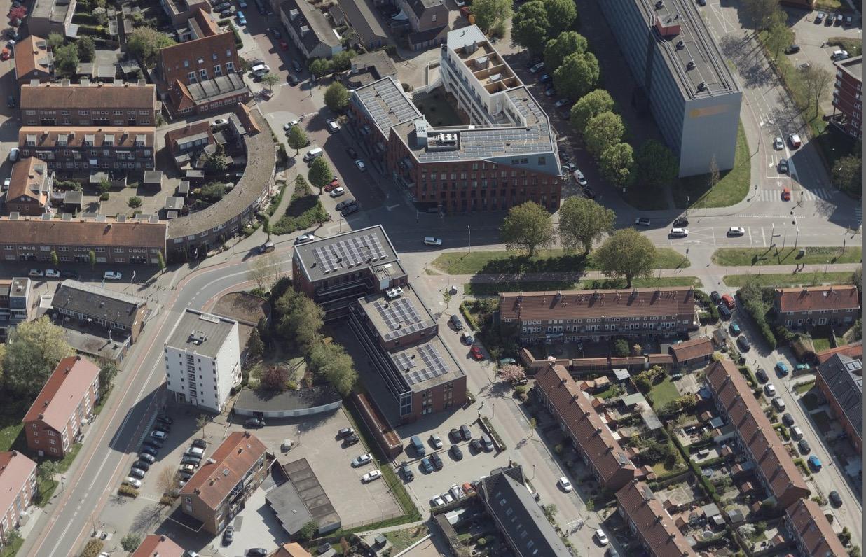 Rotonde op rommelig kruispunt Amstellandlaan Weesp sneuvelt, wel nieuwe verkeerslichten bij winkelcentrum Hogeweij