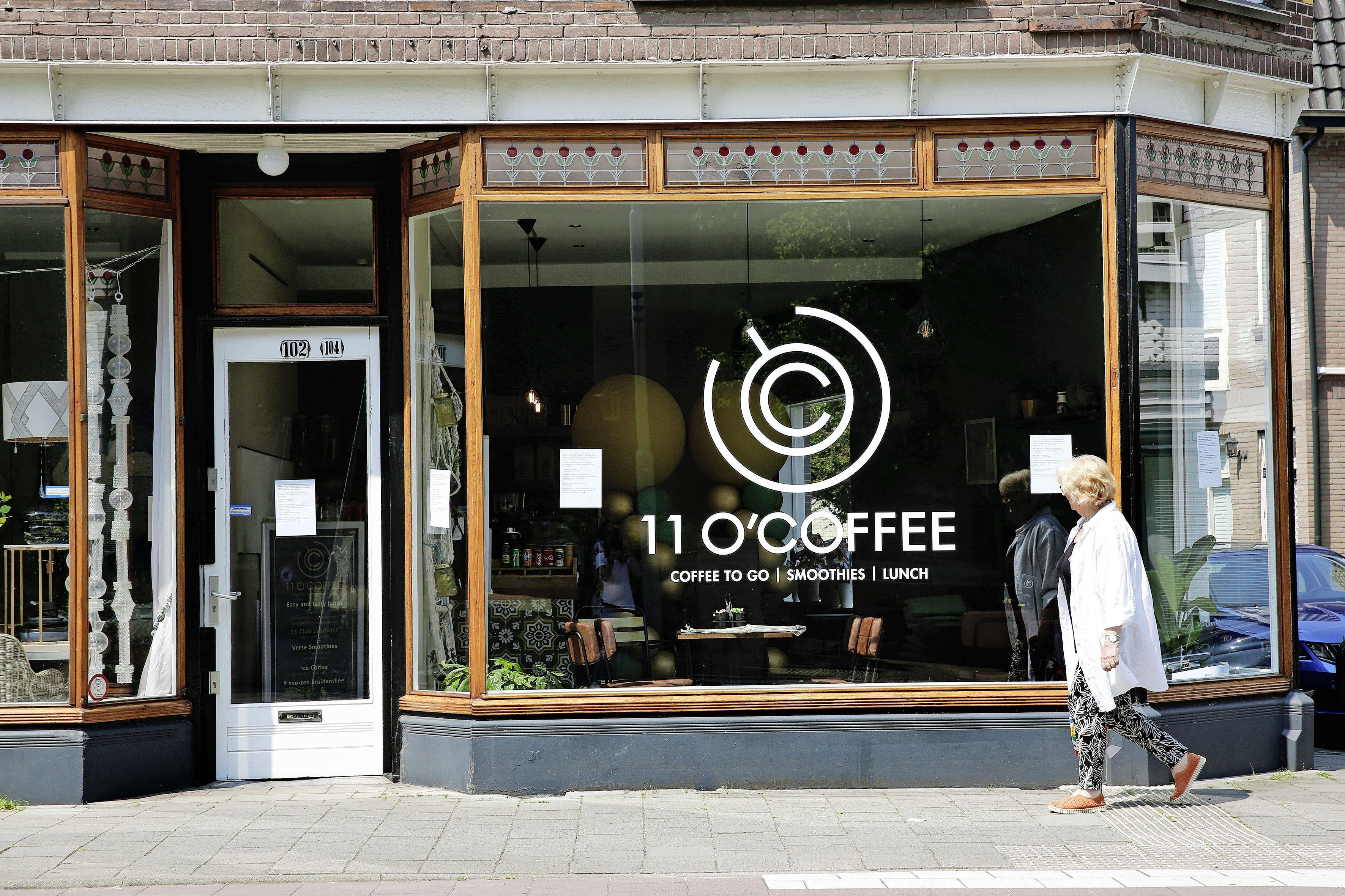 Na tien maanden horecavergunning 11 O'Coffee toch geweigerd; Bussumse buurt start petitie voor eigenaar Ahmed Hussein: 'Ik sta door corona en ziek dochtertje al jaar in overleefstand'