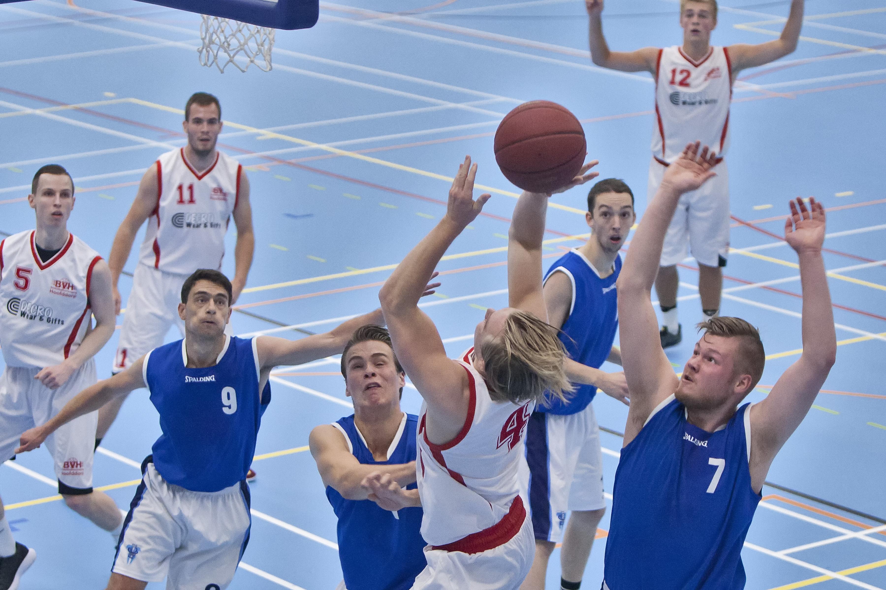 Goede start voor basketballers Hoofddorp
