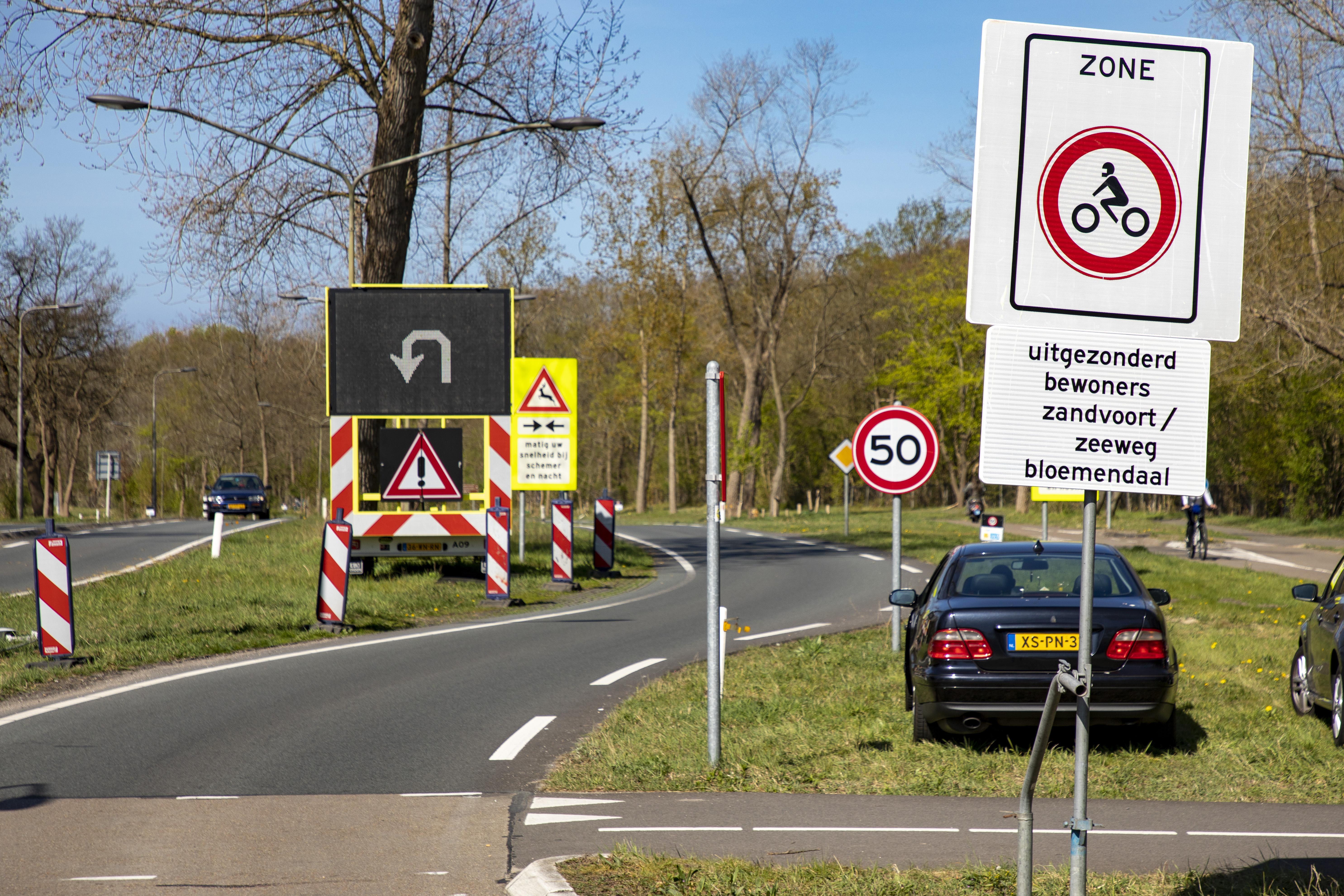 'Geluidsoverlast motorrijders lijkt op lawaai van brulapen.' Omwonenden Zeeweg in Overveen zuchten onder herrie van knaluitlaten