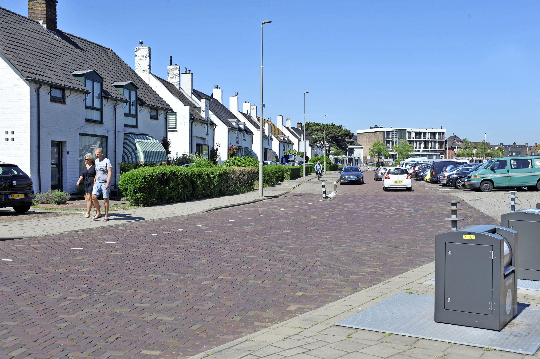 Ja, er is flinke verkeersoverlast op de Zeecroft in Wijk aan Zee. En nee, daar gaan we voorlopig niets aan doen