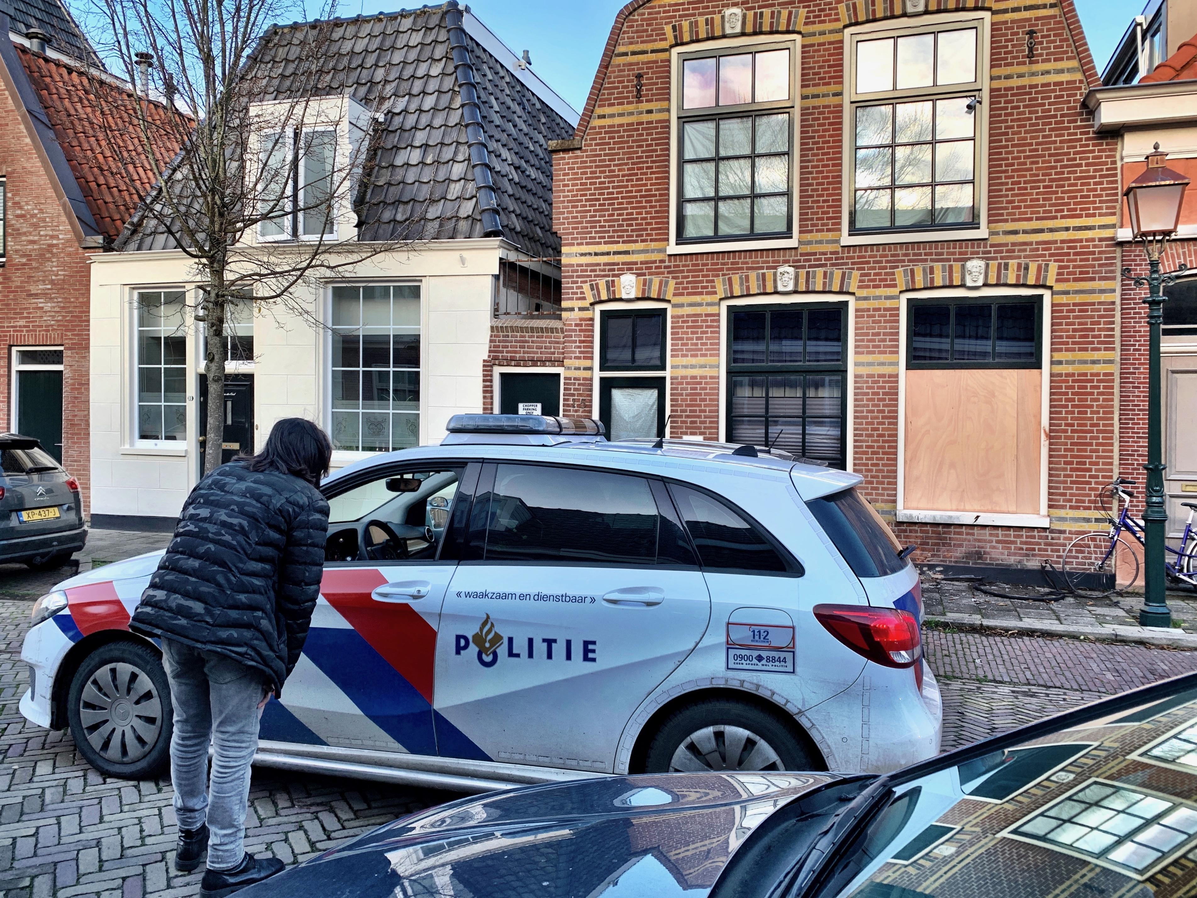 Bewoner van Gerritsland in Hoorn windt er na nachtelijke explosie geen doekjes om: 'Er is een aanslag gepleegd op mijn huis'