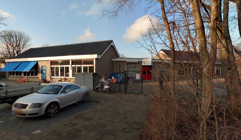 Noodlokaal bij Purmerendse basisschool Het Parelhof, maar volgens Leefbaar Purmerend is de vergunning inmiddels verlopen