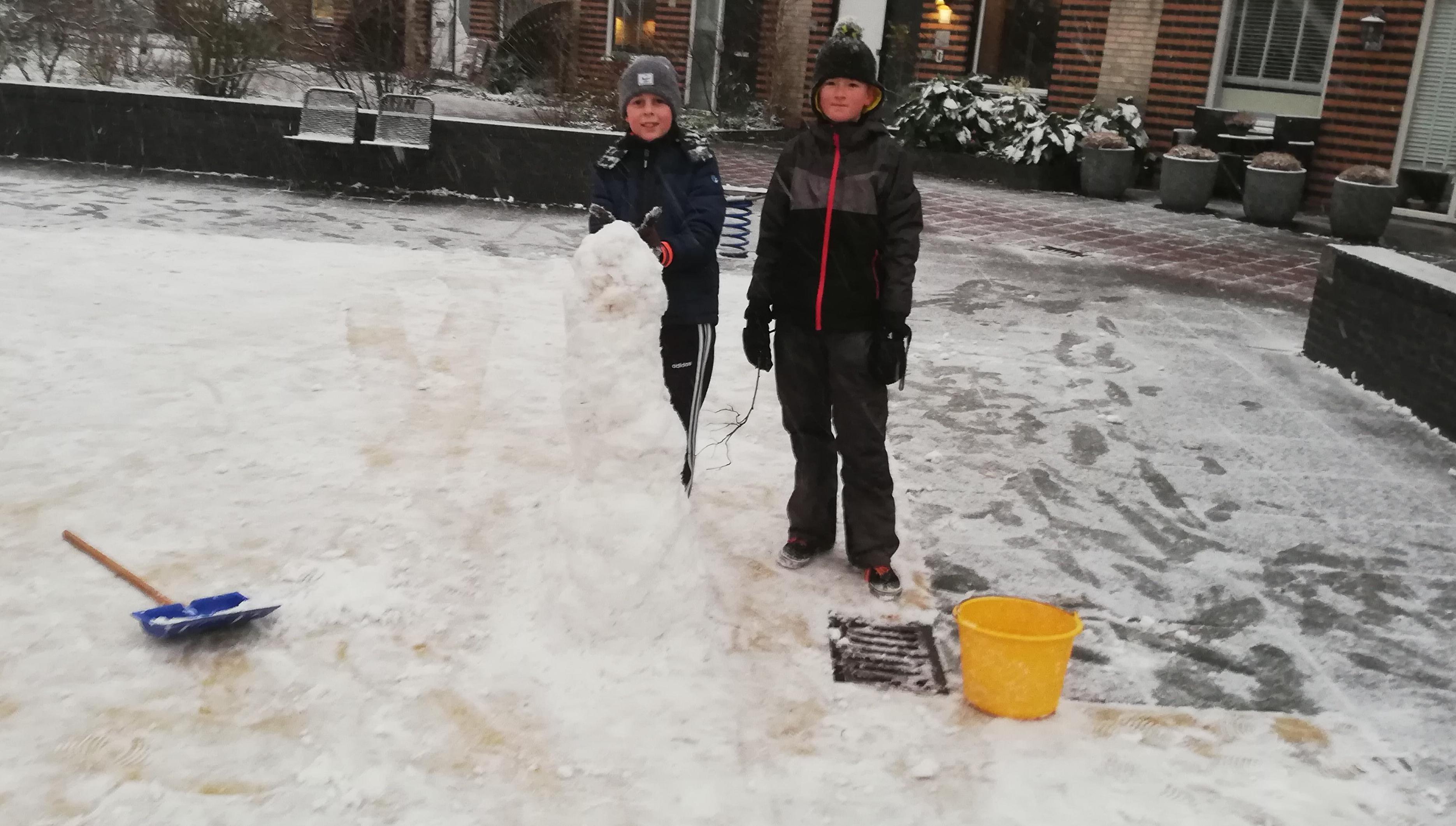 Sneeuw legt parelwitte deken over Zaanstreek-Waterland - deze foto's stuurde u in