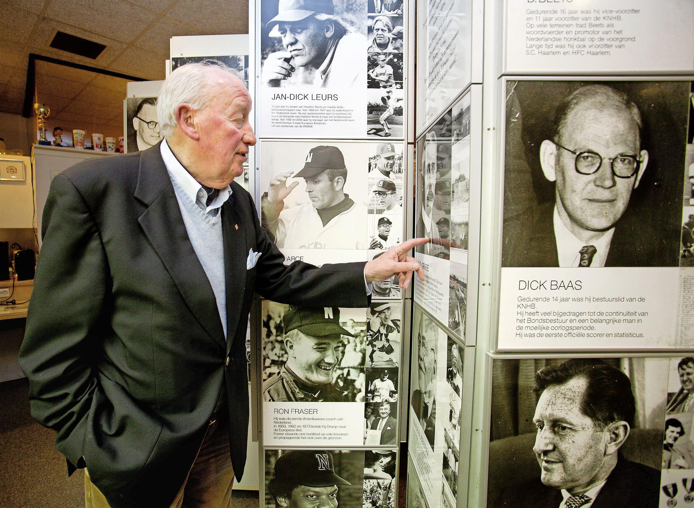 Politiecommissaris en sportbestuurder Wim Oosterhof (1928 – 2021) vond het 'heerlijk om bezig te zijn met organisatorische klussen'