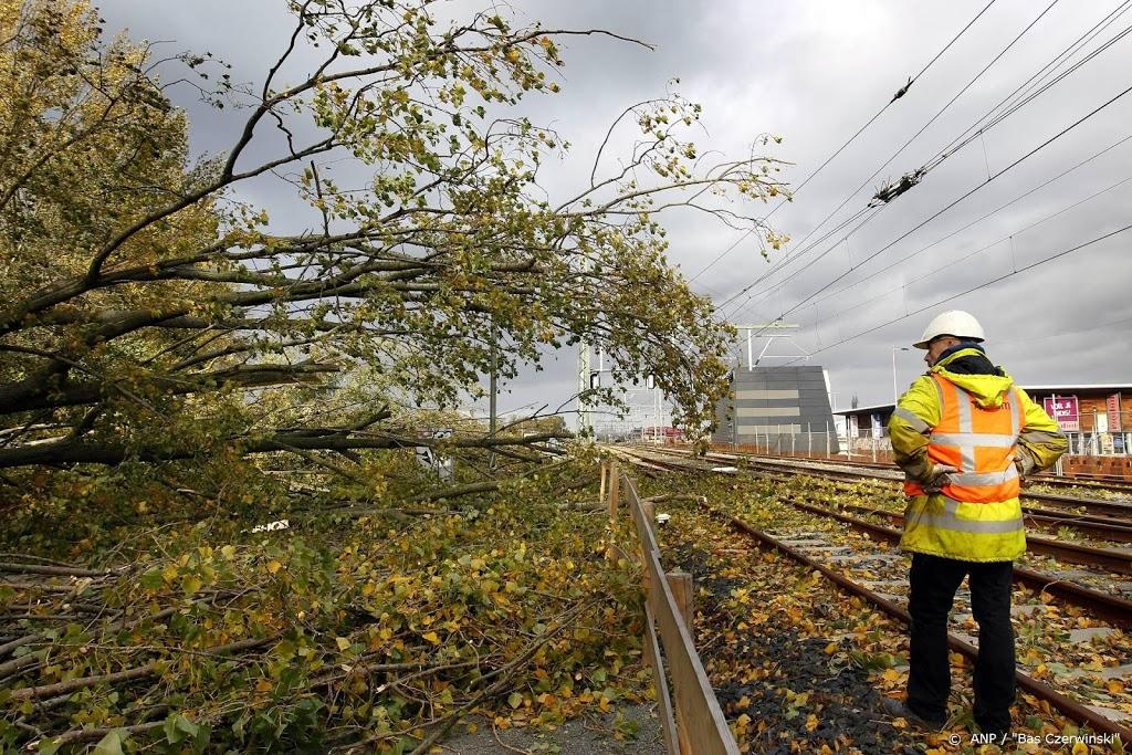 ProRail: storingsploegen paraat voor calamiteiten door storm