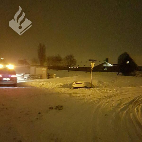 Auto raakt te water in Ter Aar, bestuurder aangehouden voor rijden onder invloed