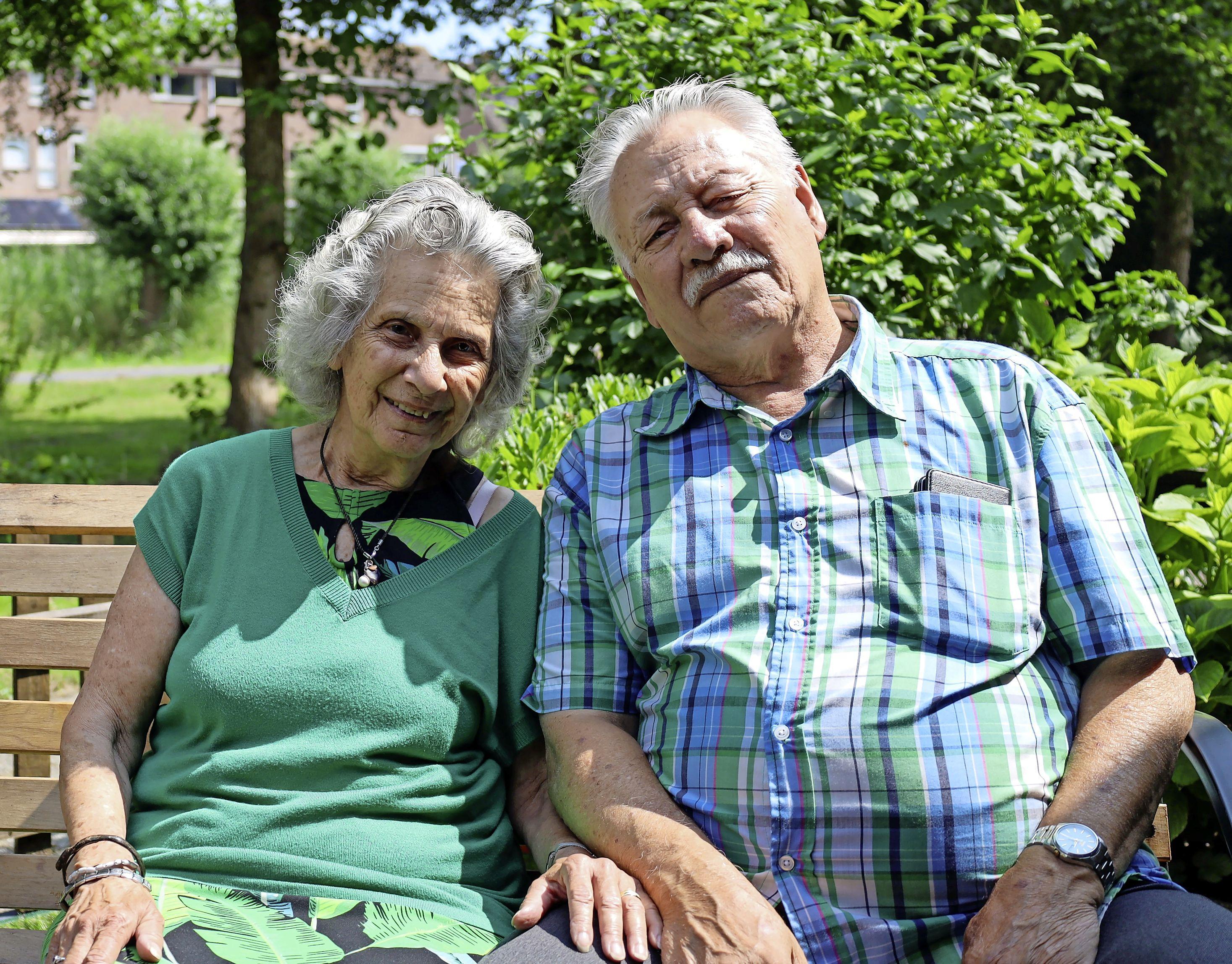 'We hebben elkaar niet meer losgelaten'. Paden van peuters Harry Deul en Ilse van Hek kruisen elkaar na veertien jaar weer. Nu zijn ze zestig jaar getrouwd