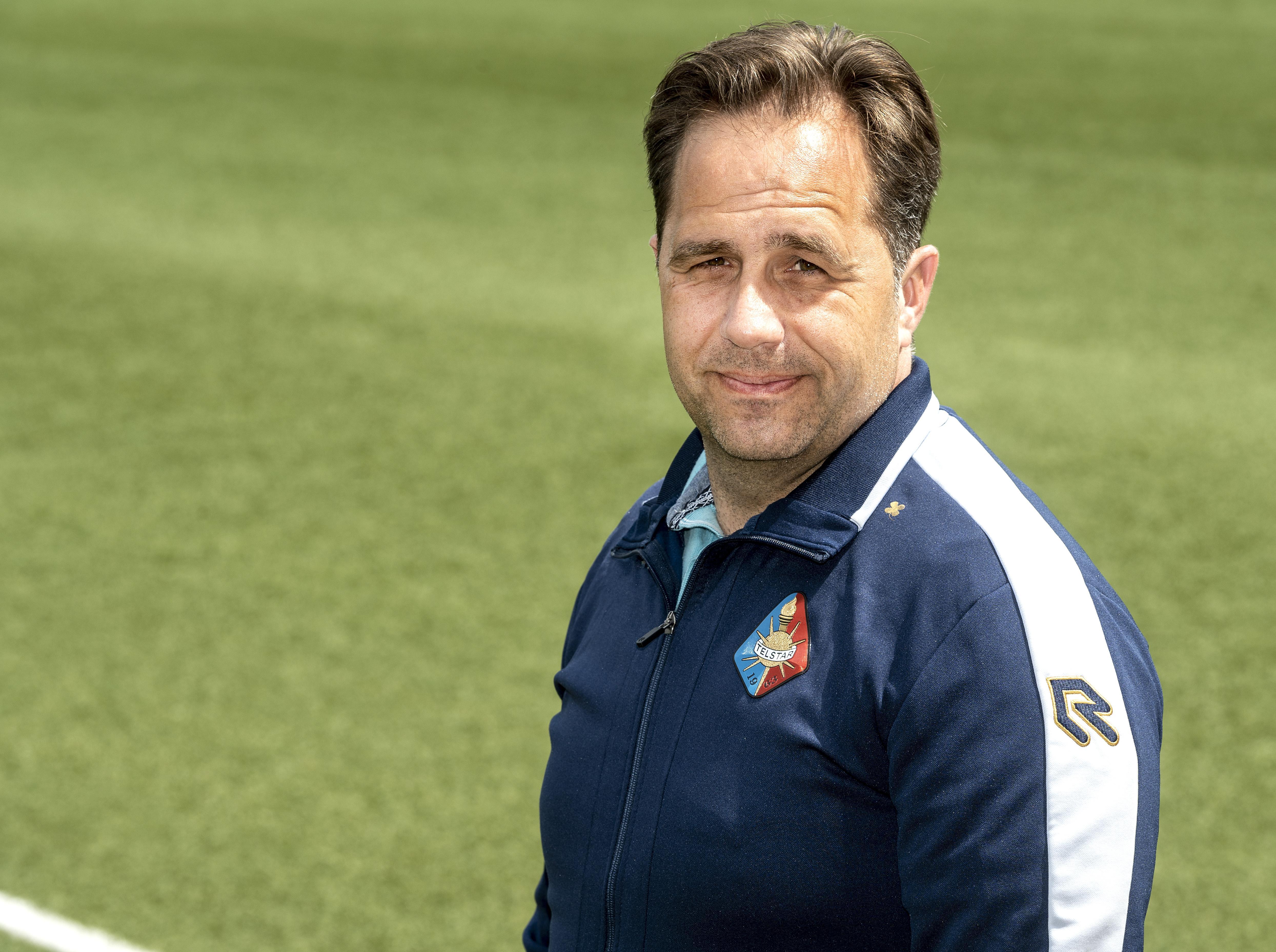 Vrouwen terug bij Telstar, trainer Hans de Winter: 'Een beloftenteam past bij de ontwikkeling van het vrouwenvoetbal in deze regio