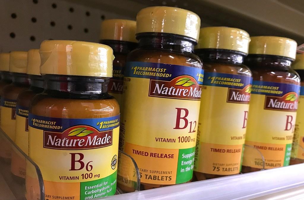 Vitamine B12, jaja. 'Wat kun je het beste nemen als je vegan bent?' | column