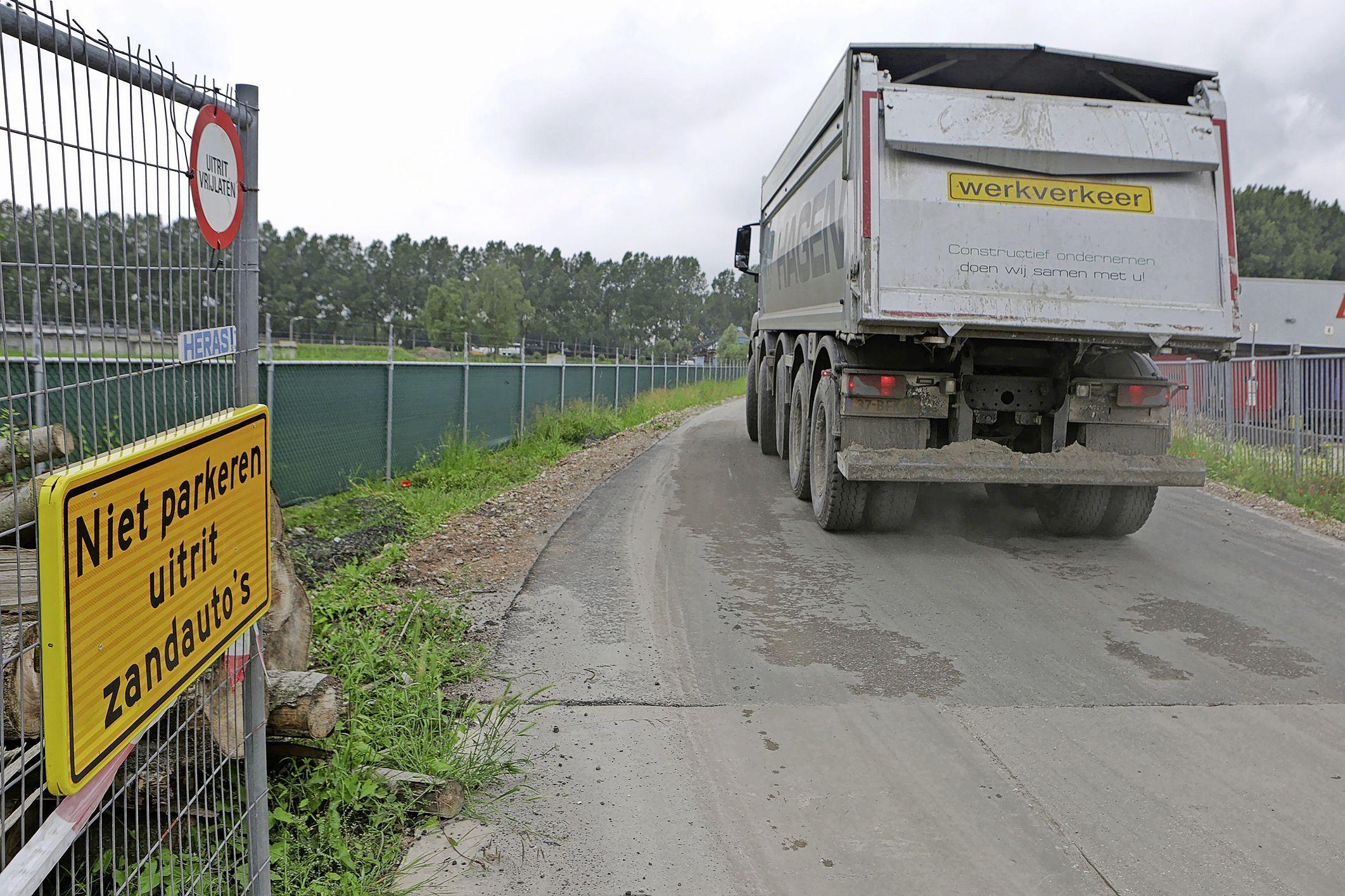 Zaanstad moet nee tegen tijdelijke weg voor zandauto's door Krommenie niet accepteren