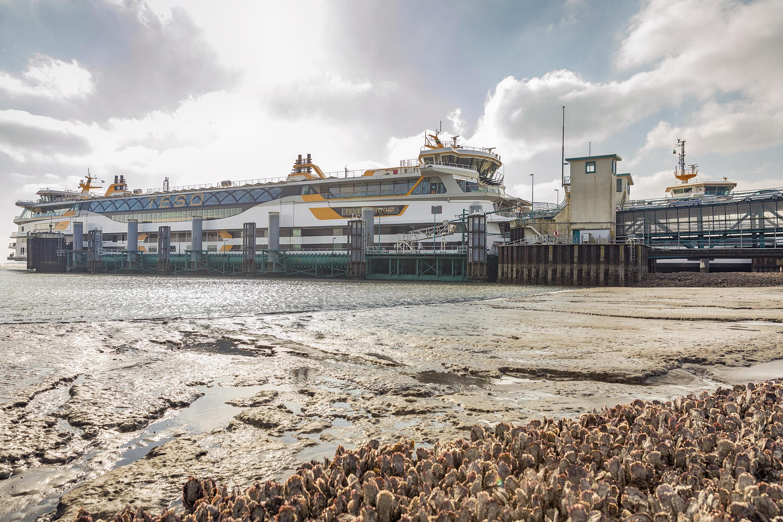 Beperking dienstregeling Connexxion op tussenboten Teso ergert Behoorlijk Bestuur: 'We zijn al genoeg uitgekleed'