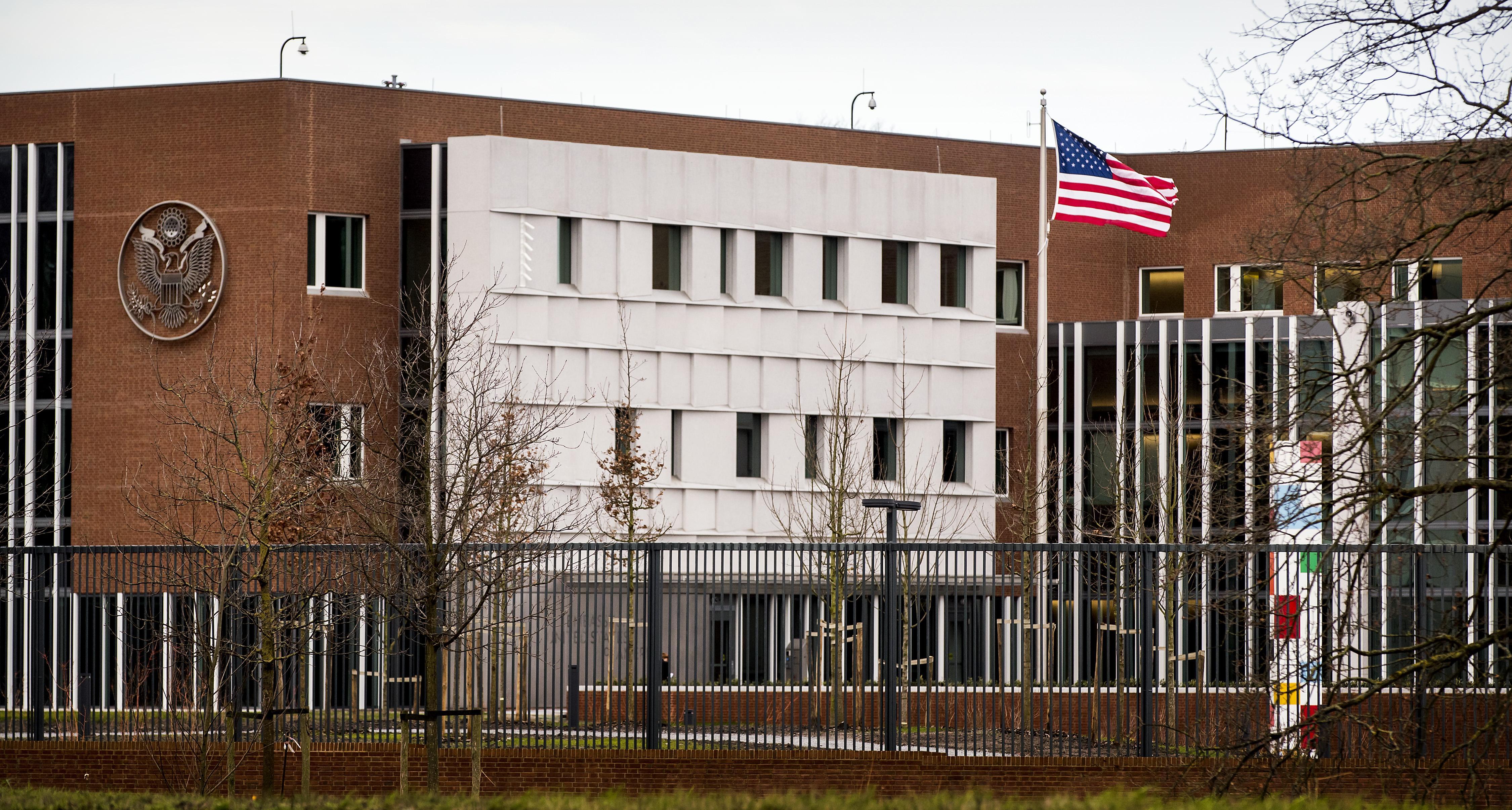 D66 wil opheldering over bijeenkomst FvD op Amerikaanse ambassade in Wassenaar