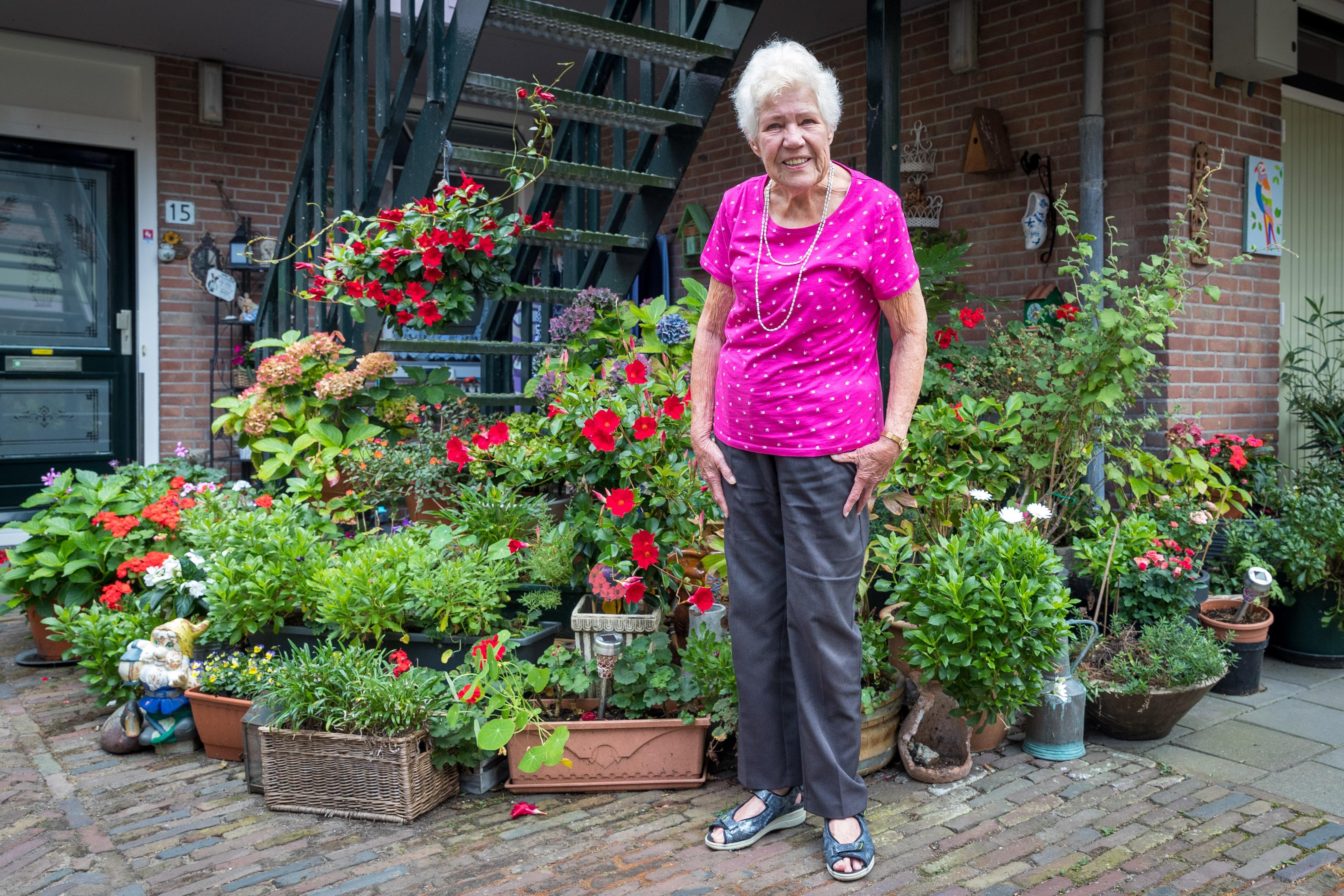 Hoornse Tiny Luik (89) is niet meer bang voor corona en heeft weer zin in 't leven