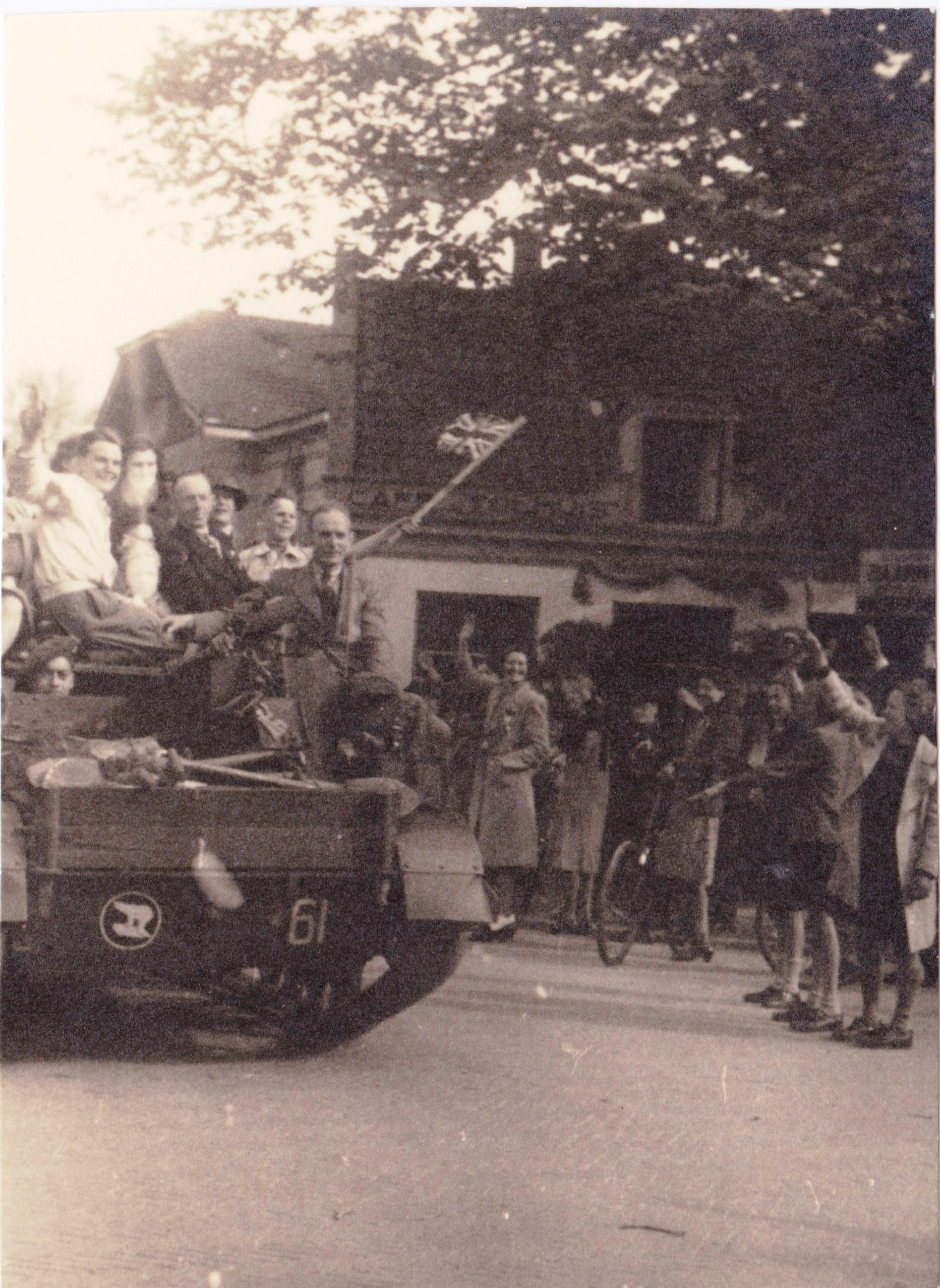 Hilversum in de oorlog: bezetting en bevrijding [video]