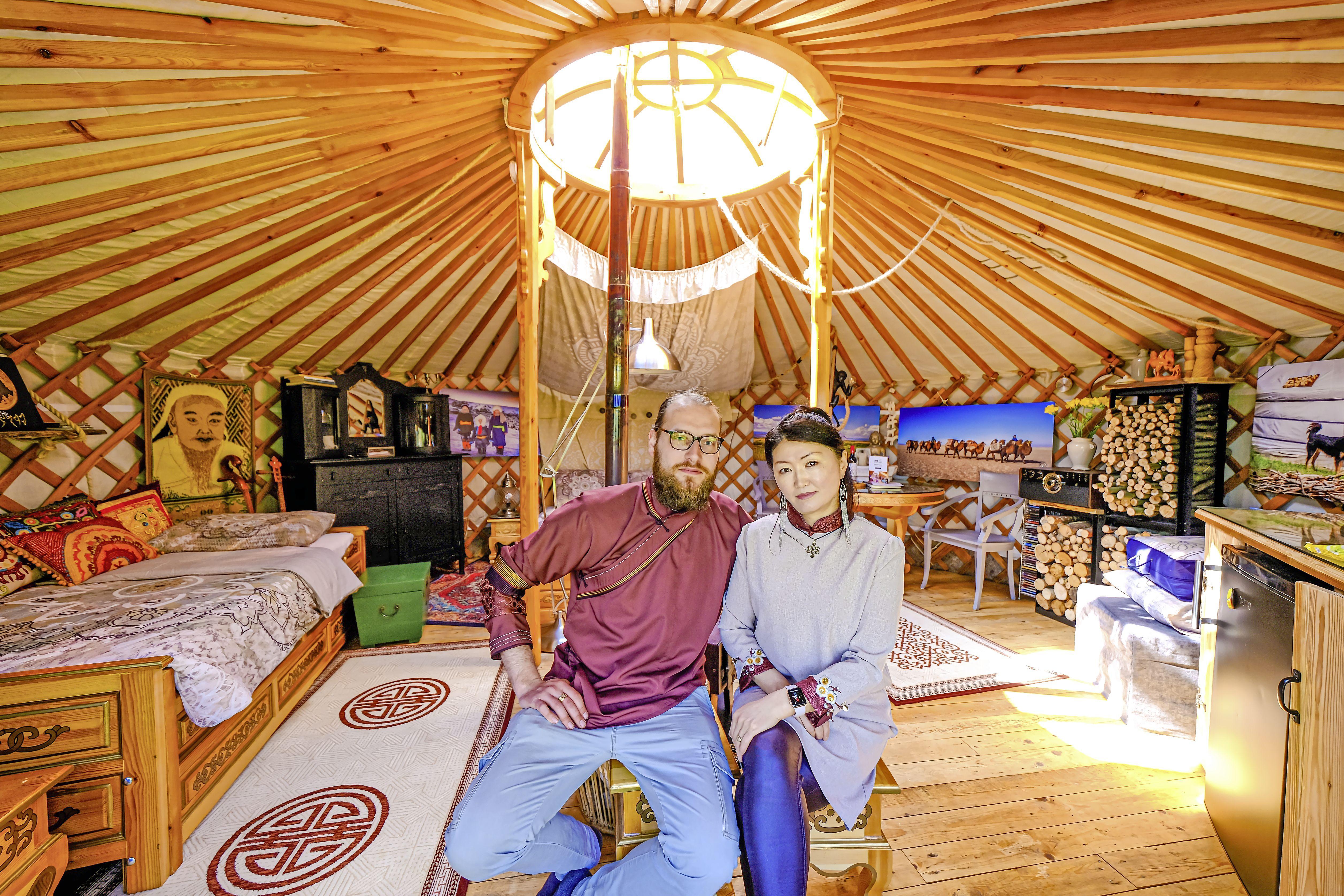 Overnachten in een geniaal bouwwerk, dat is dus slapen in een yurt