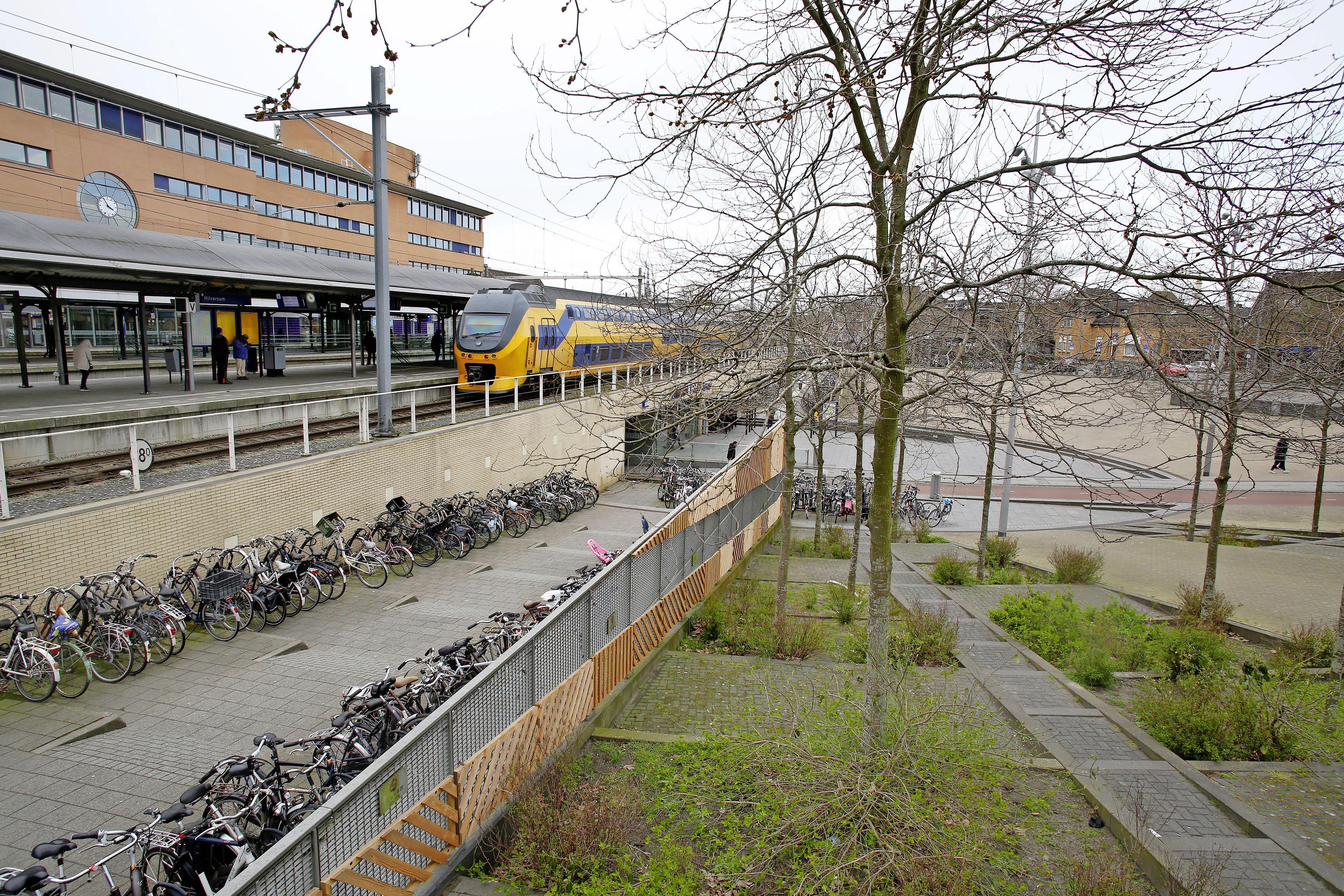 'Wij voelen ons belazerd.' Bewoners rond Oosterspoorplein woedend over 'overval' door Hilversums college