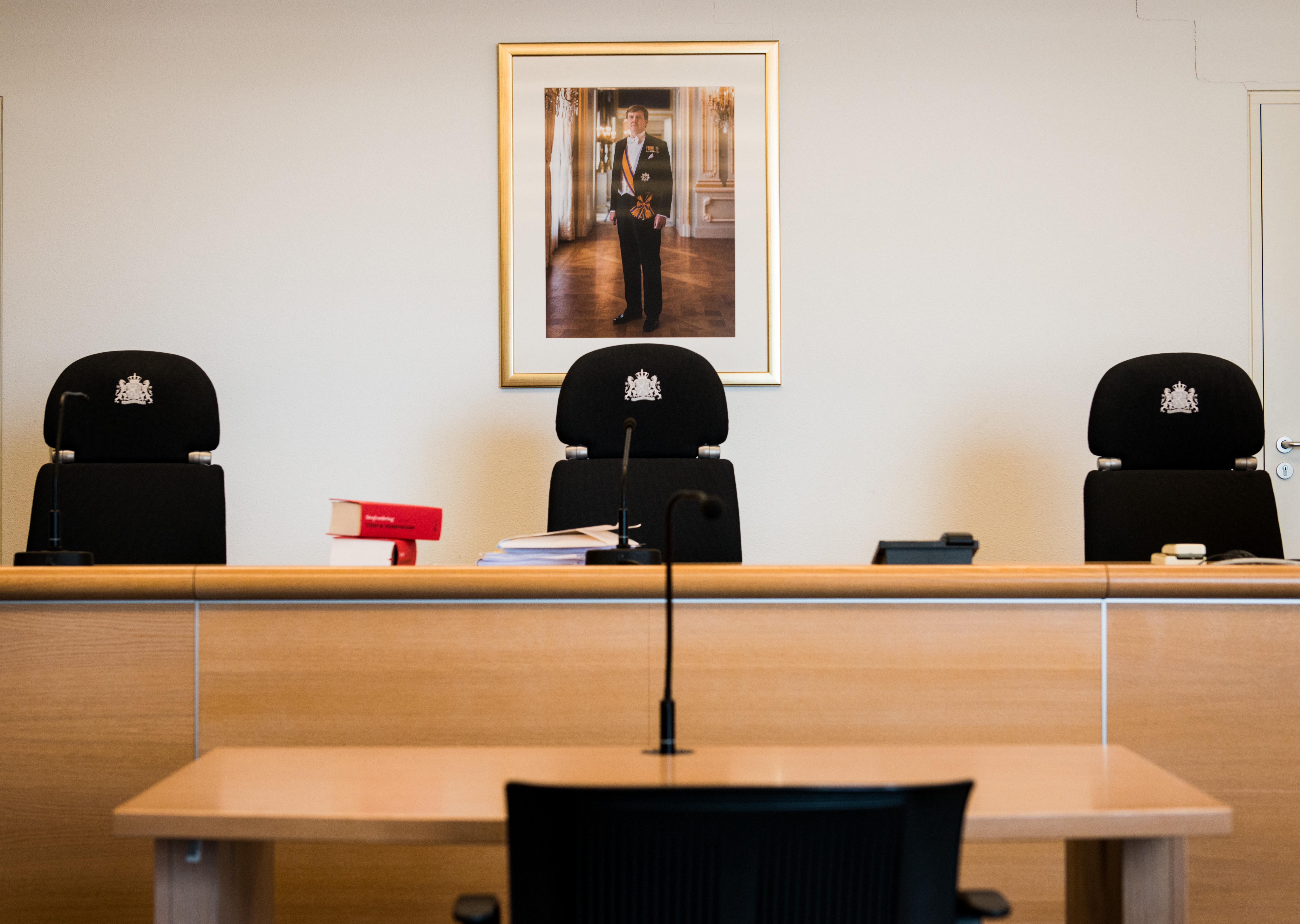 Op A4 aangehouden Haarlemmer in rechtbank: 'Als er bloedwraak dreigt, mag je in Albanië een wapen dragen'