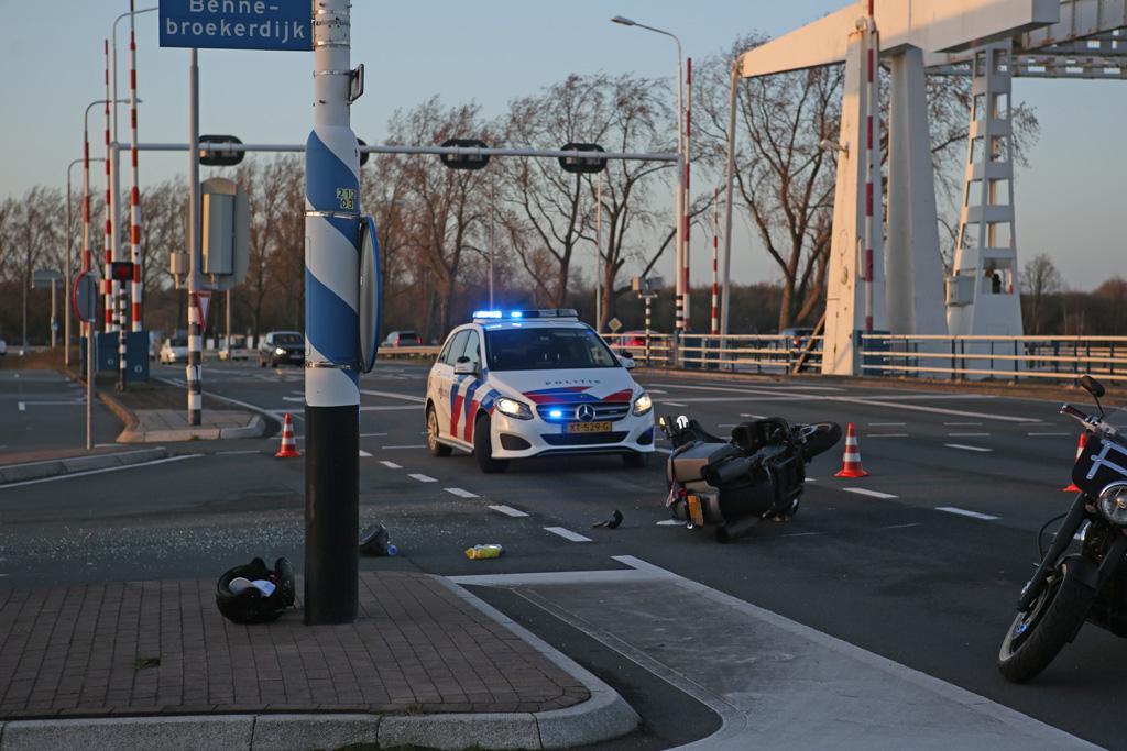 Motorrijder gewond bij ongeluk in Cruquius
