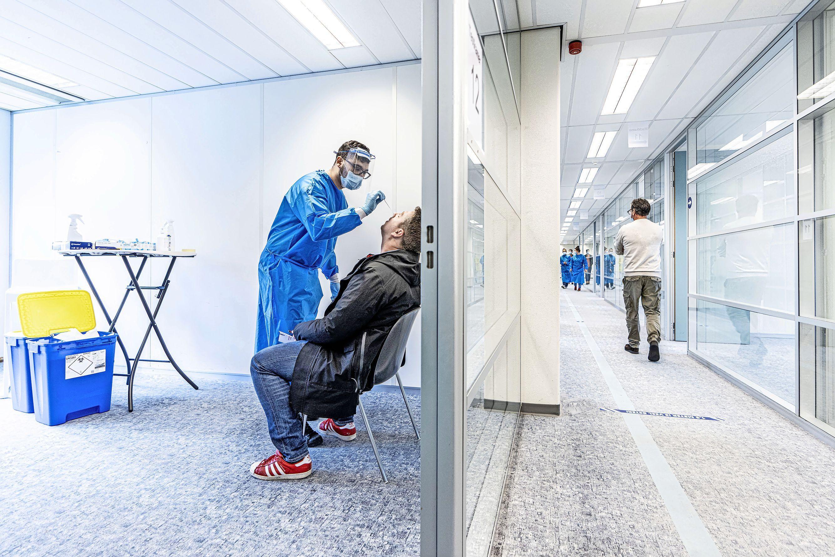 Besmettingen Hollands Midden in een vrije val, in Wassenaar verdubbeling corona