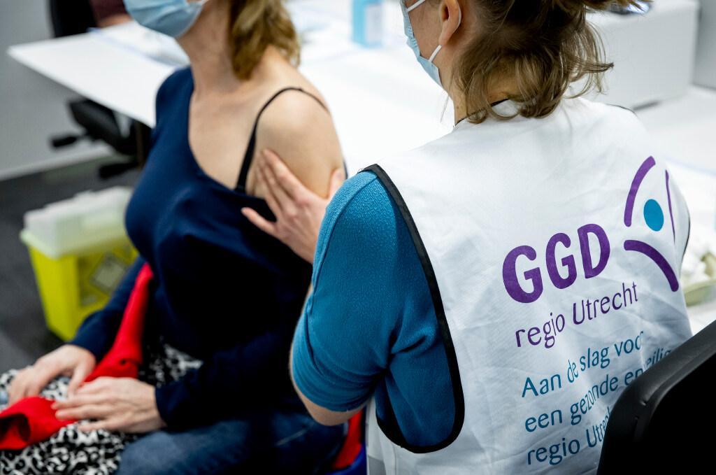 Amersfoort krijgt vaccinatielocatie voor regio Eemland; Prikplek in Rijtuigenloods bij station gaat 15 februari open