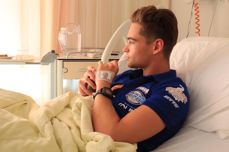 Van operaties revaliderende Jaimie van Sikkelerus verruilt WK voor Brits kampioenschap: 'Ik hoop in 2021 klaar te zijn voor mooie resultaten, want mijn doel is nog altijd de snelste zijn'