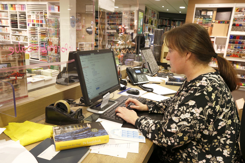 Landelijke actie is ook steun voor boekwinkels in de Noordkop. 'De laatste weken van vorig jaar waren dramatisch, daar zijn we niet een-twee-drie boven op'