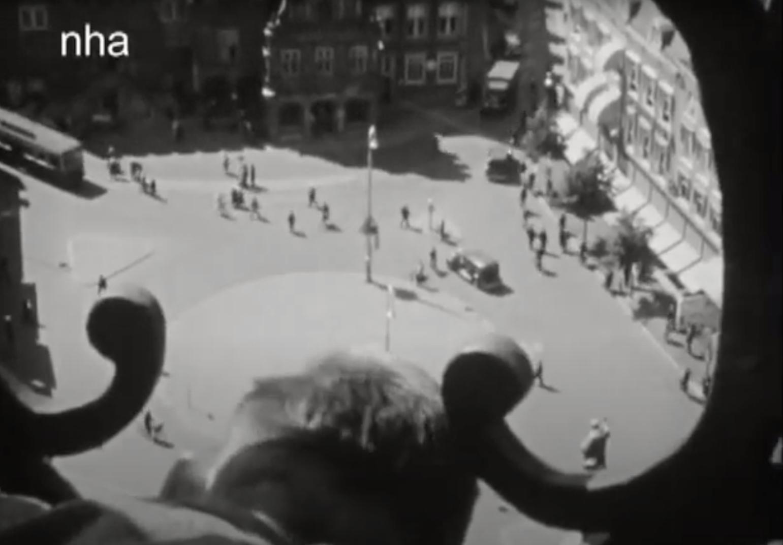 Bewegend Verleden: Uitzicht vanaf Grote Kerk in Haarlem, 1939 [video]