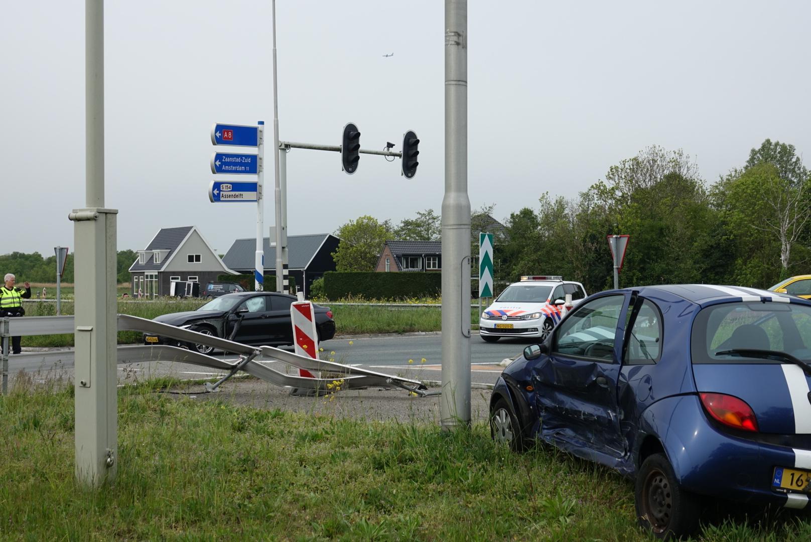 Weer botsing op de N246 bij Assendelft, een inzittende gewond
