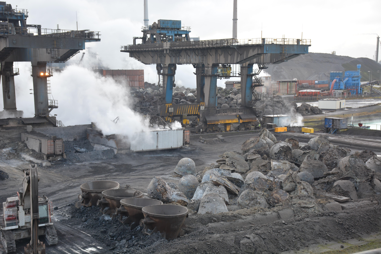 Staatssecretaris wil met provincie meedenken over beheersen luchtvervuiling Tata Steel