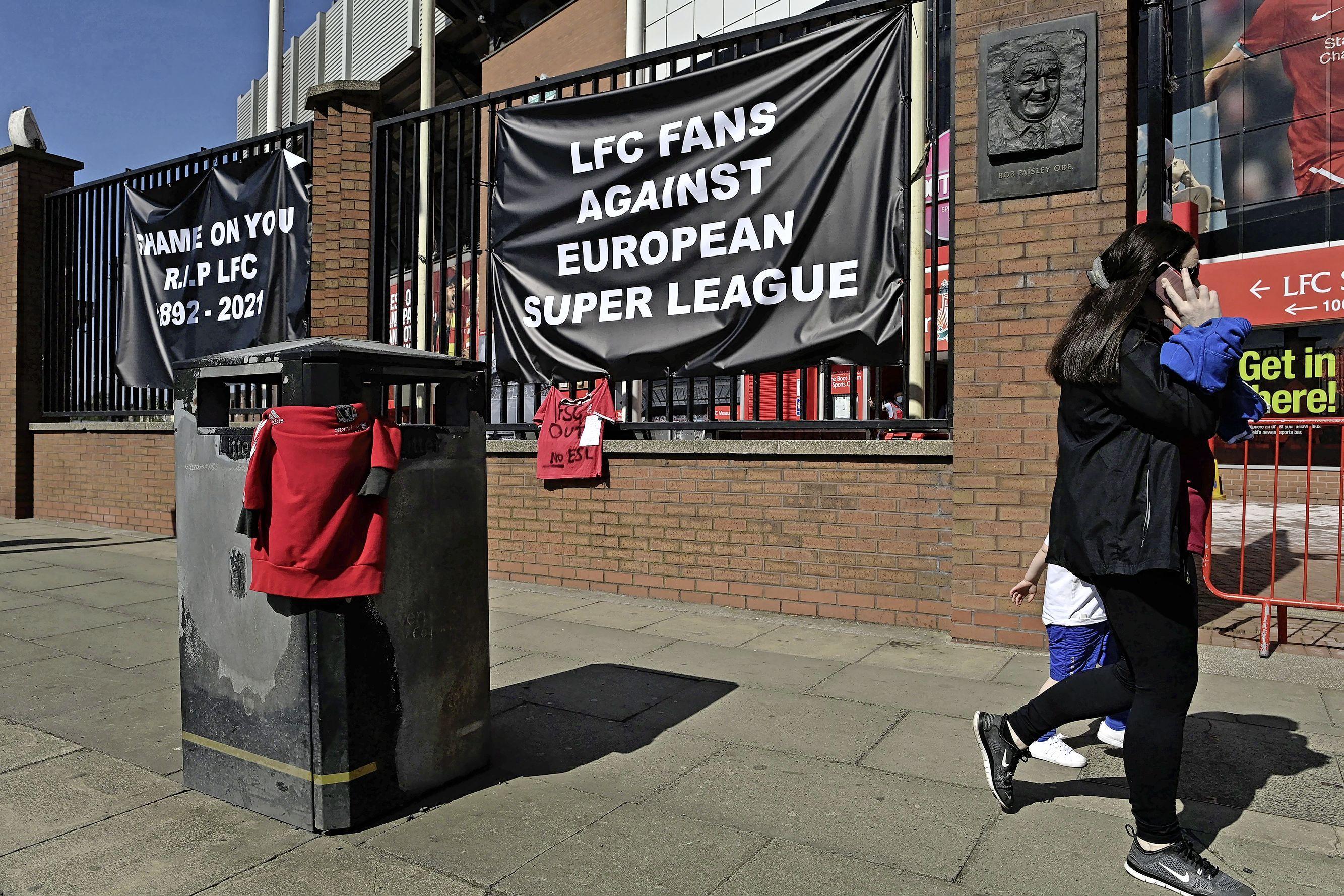 'Het worden drukke maanden voor de juristen.' Woede, verontwaardiging en hoon in voetbalwereld om plannen voor een Super League