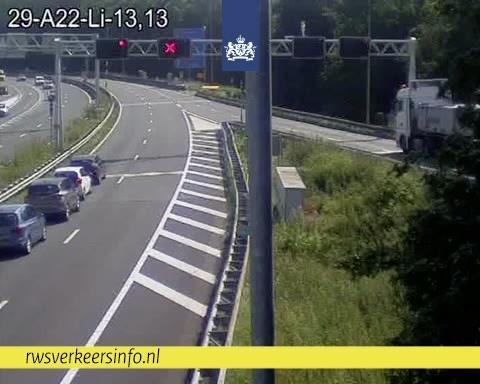 Chaos op wegen in Noord-Holland blijft voortduren: nu ook Velsertunnel gedeeltelijk dicht door ongeluk met meerdere voertuigen [update]