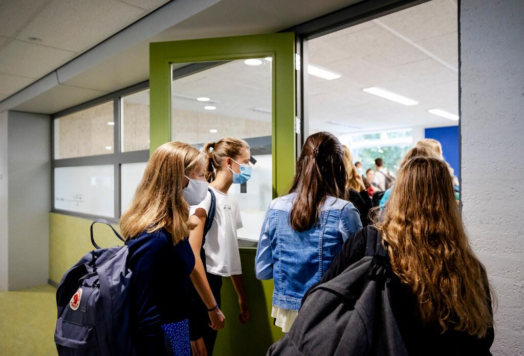Dringend advies voor mondkapjes op middelbare scholen