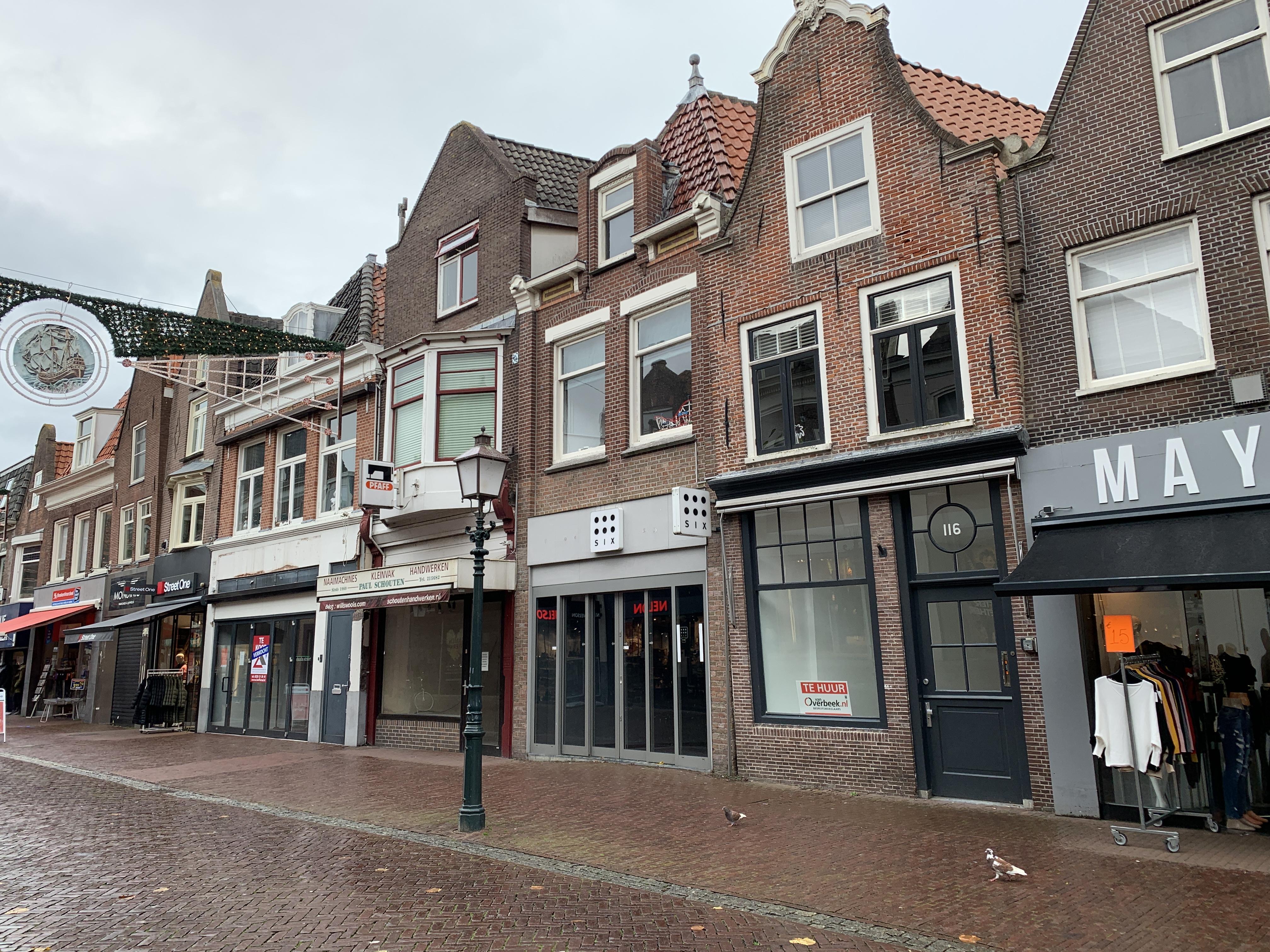 Stelling: Eigenaars leegstaande winkel moeten pand ombouwen tot woning