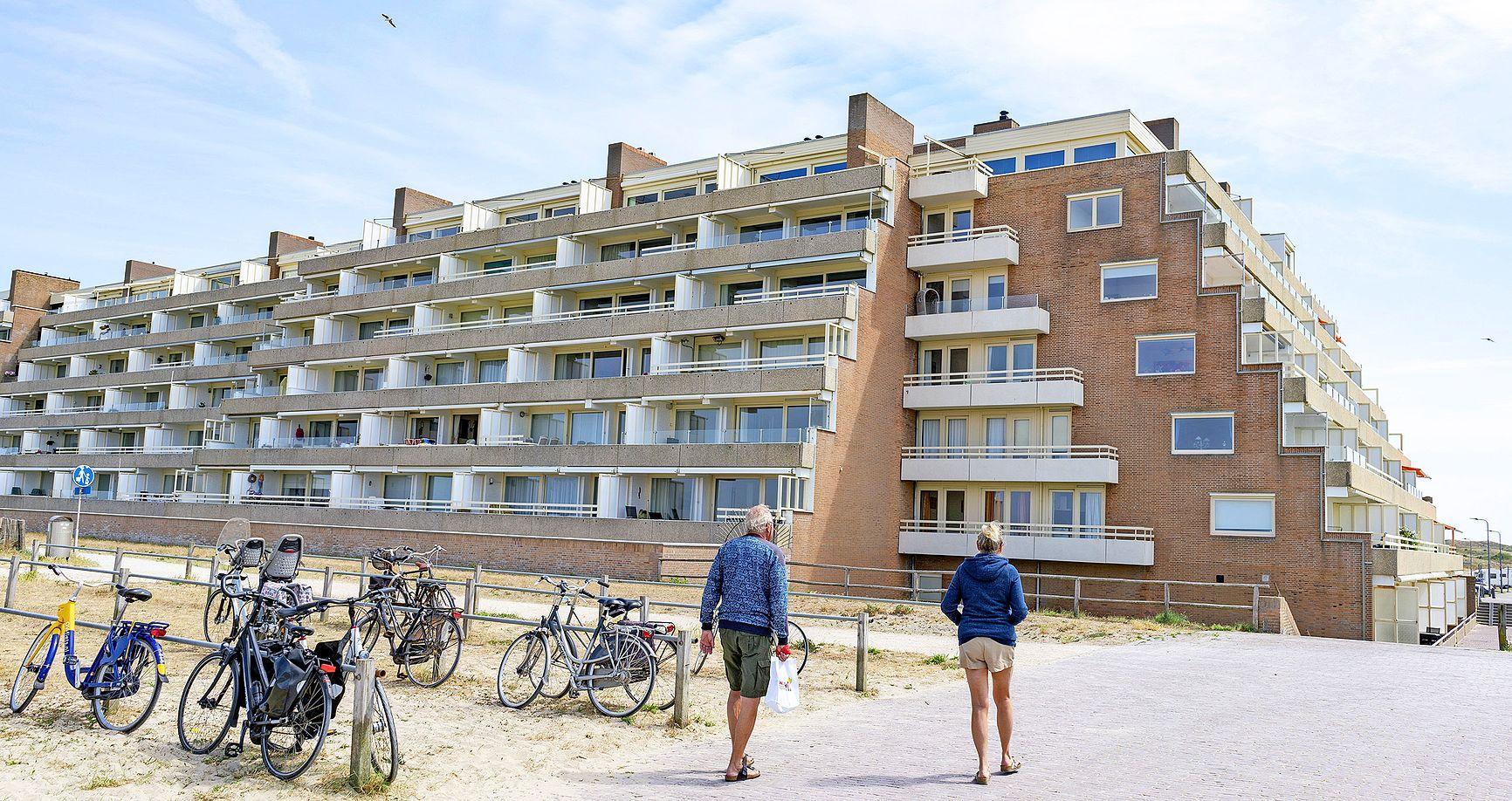 Maximaal 63 dagen verhuren aan toeristen in Egmond aan Zee? Dat is na bezwaren toch nog niet zeker. De beslissing is 'niet rijp voor besluitvorming'