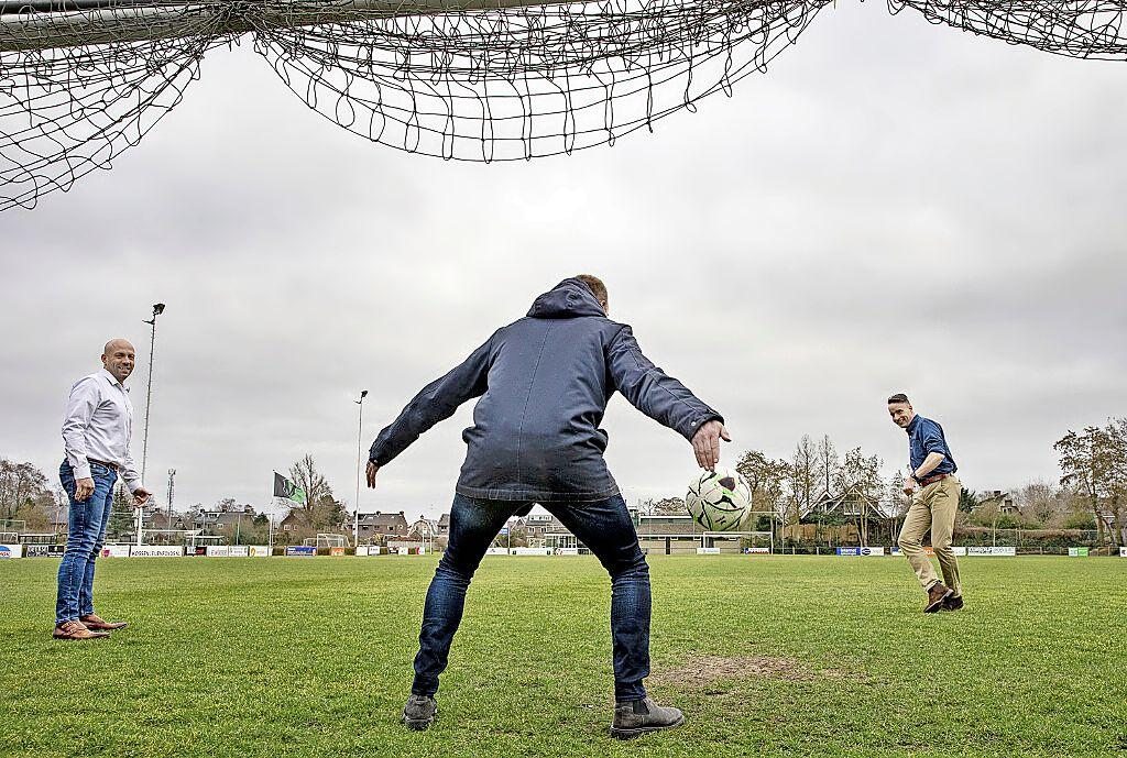 Honderdjarige viert feest op nieuwe velden. Vrone wil 100-jarig bestaan paar jaar later op compleet vernieuwd sportcomplex. 'We hebben gespaard'